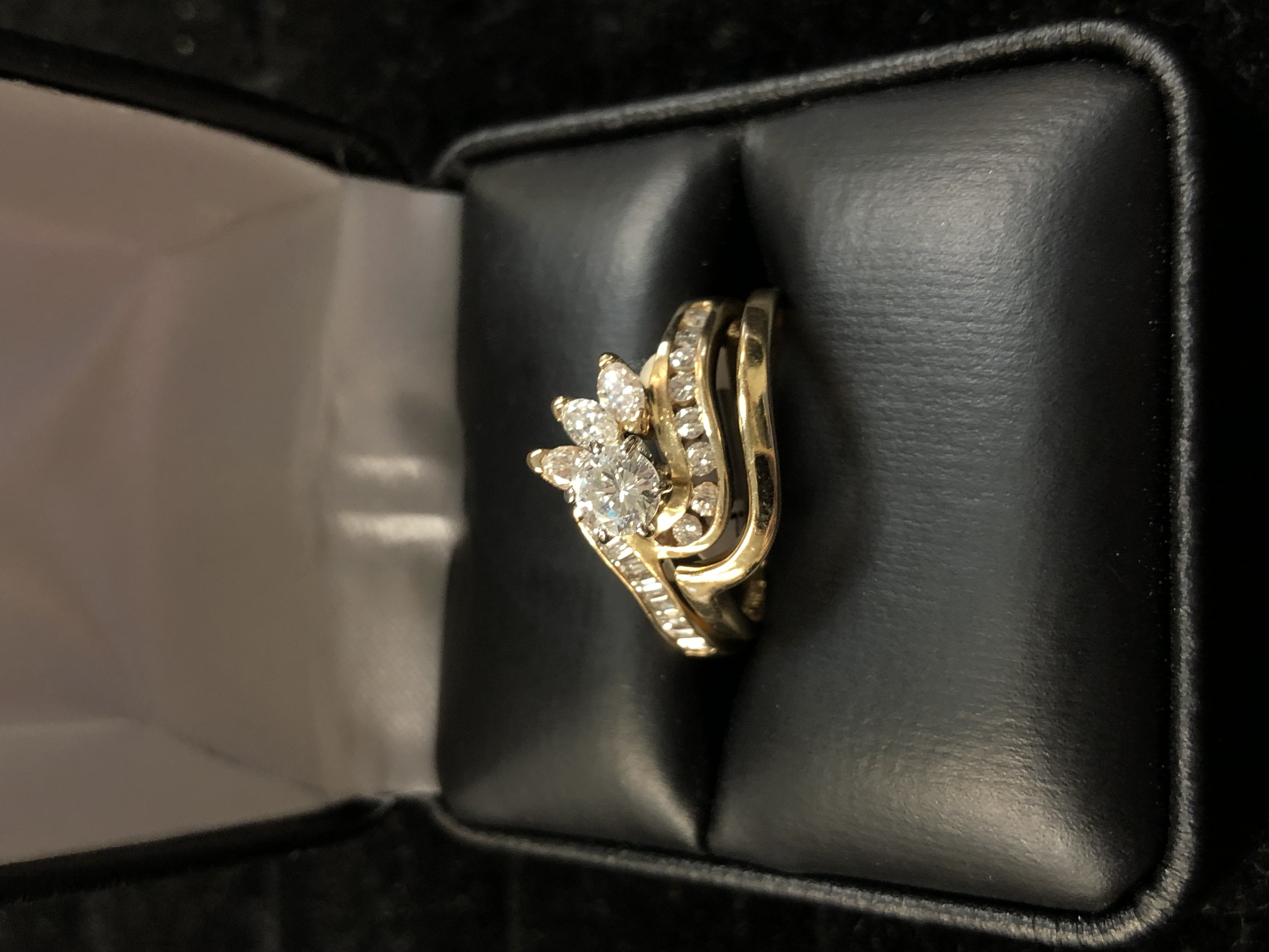 14 KT YELLOW GOLD 1/4 CT ROUND SOLITAIRE W/ 3 MARQUISES, SMALL CHIPS, & BAND