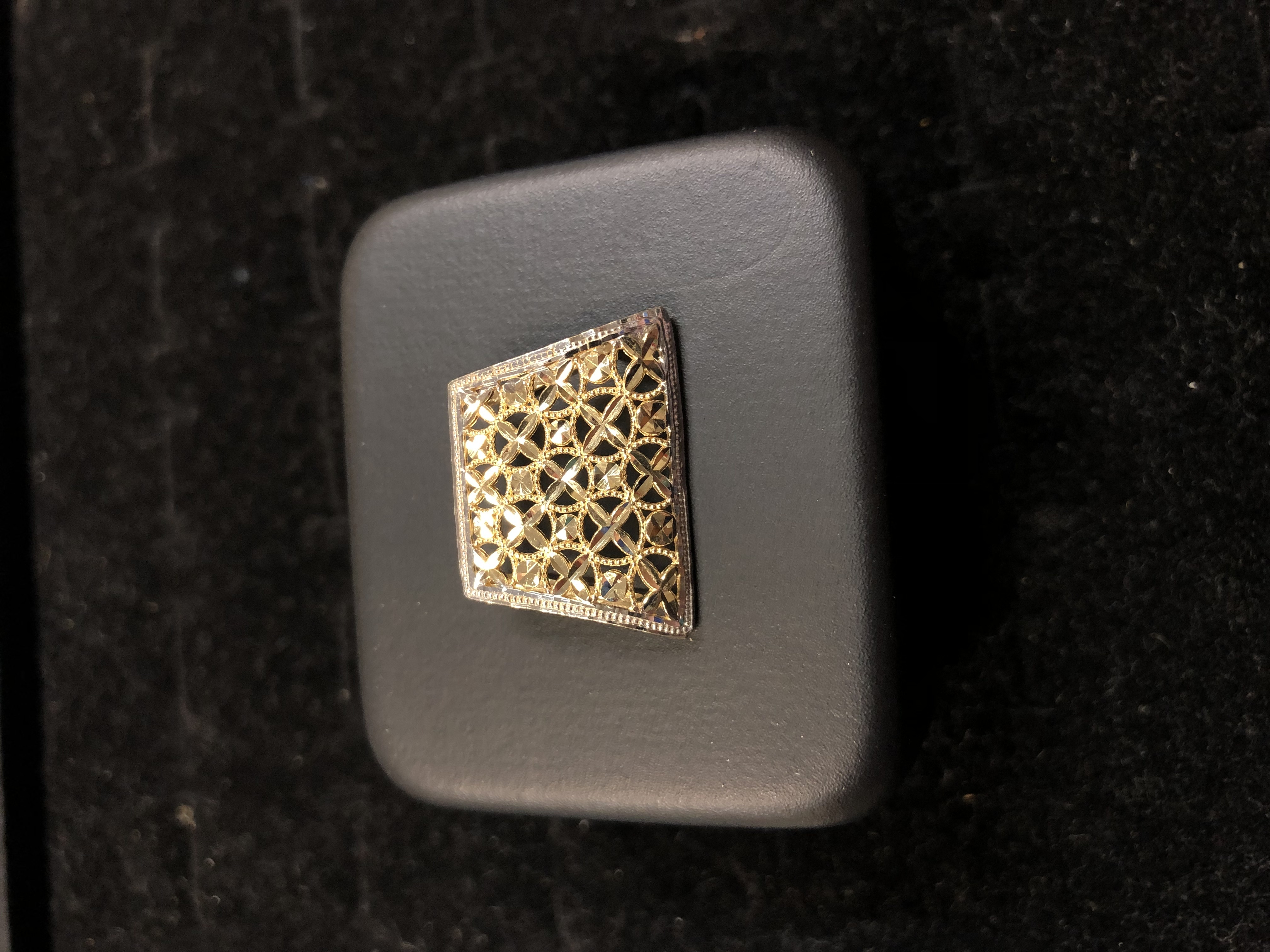 10 KT YELLOW GOLD SURROUNDED BY WHITE GOLD TRIM LASER CUT CHARM WITH STAR DESIGN