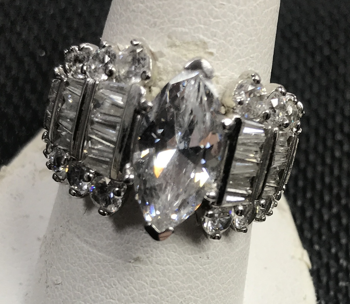 STERLING SILVER 5.50 DWT SIZE 8