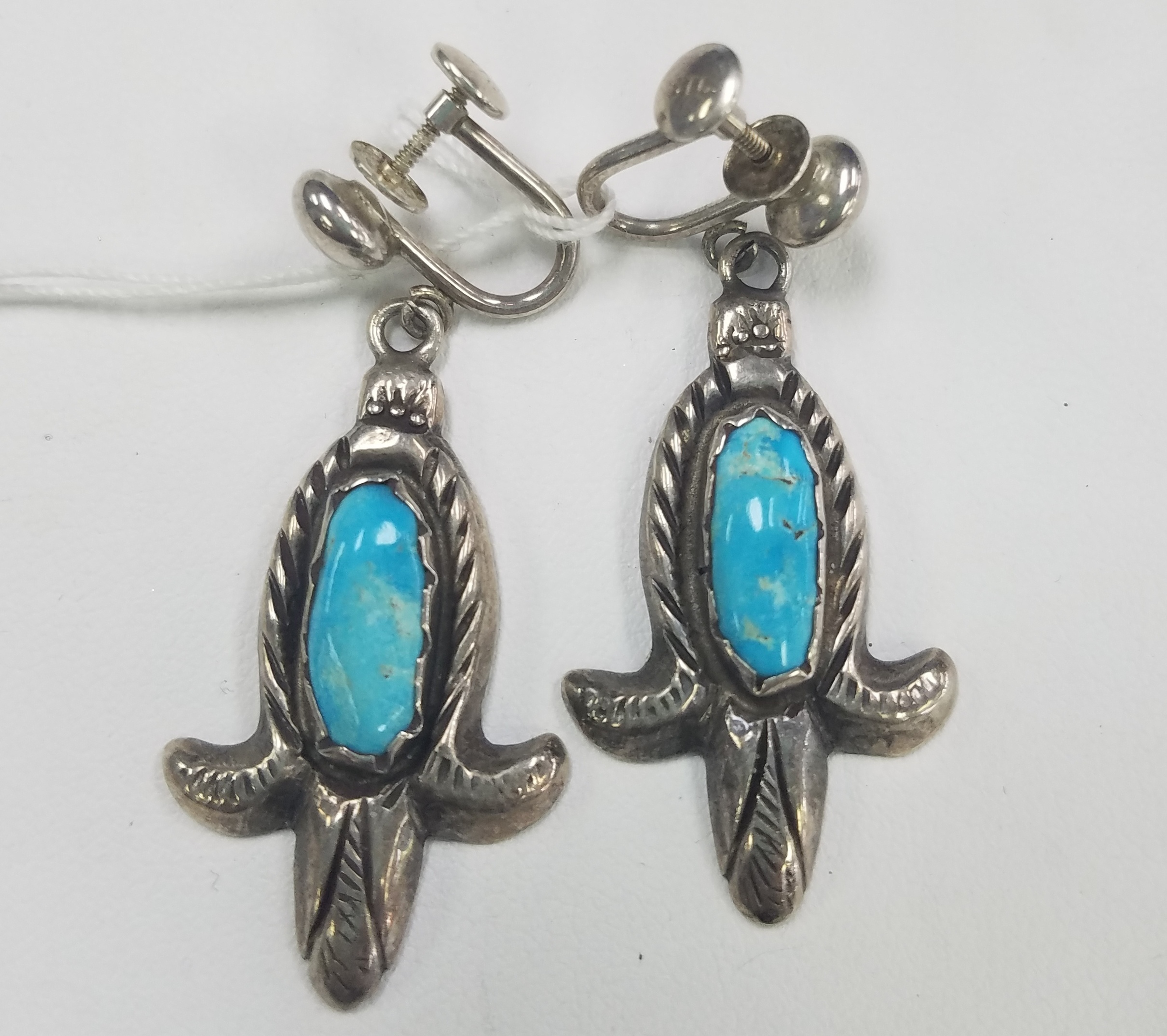 9.50 DWT TORQUOISE EARRINGS