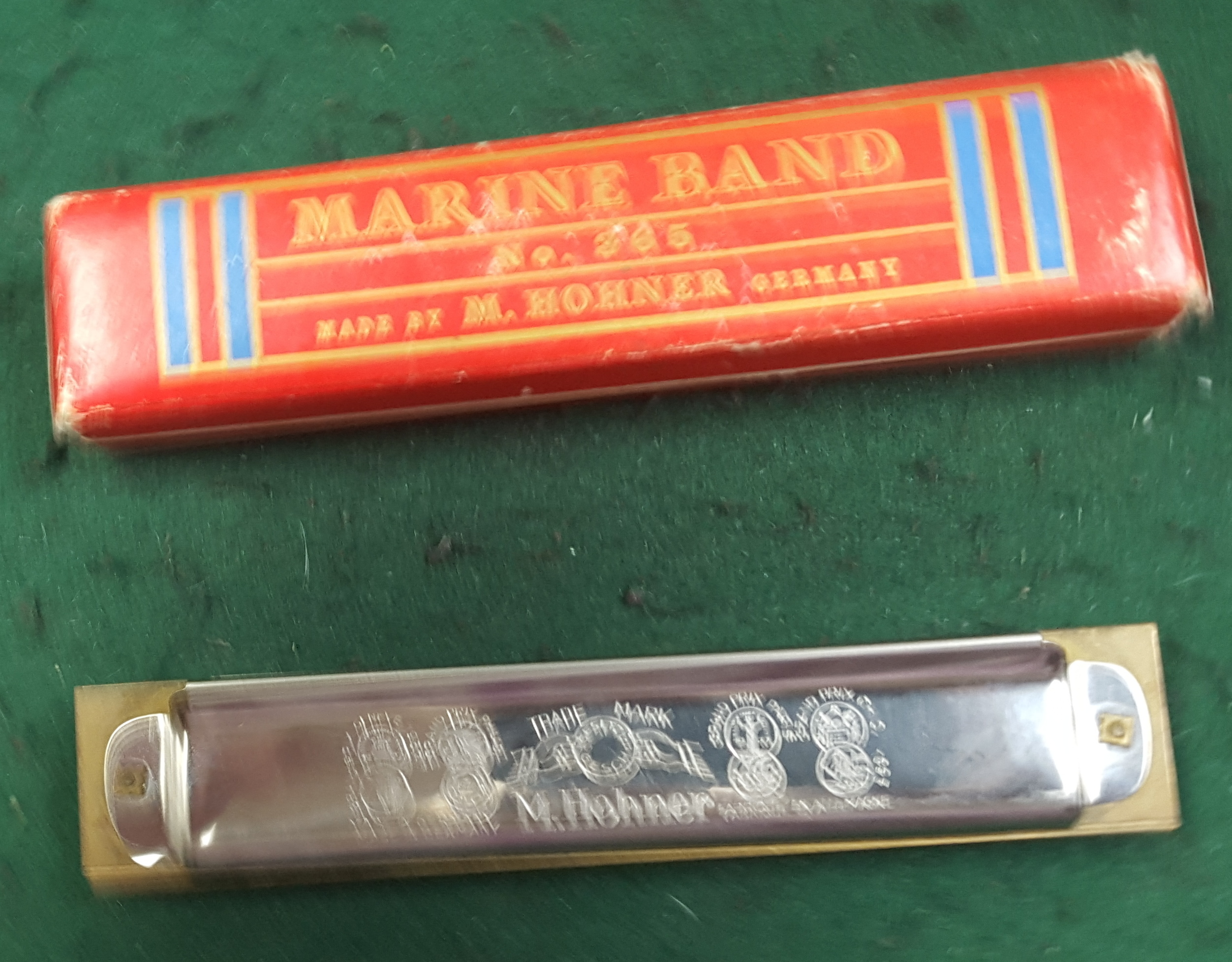 HOHNER  MARINE BAND HARMONICA IN C