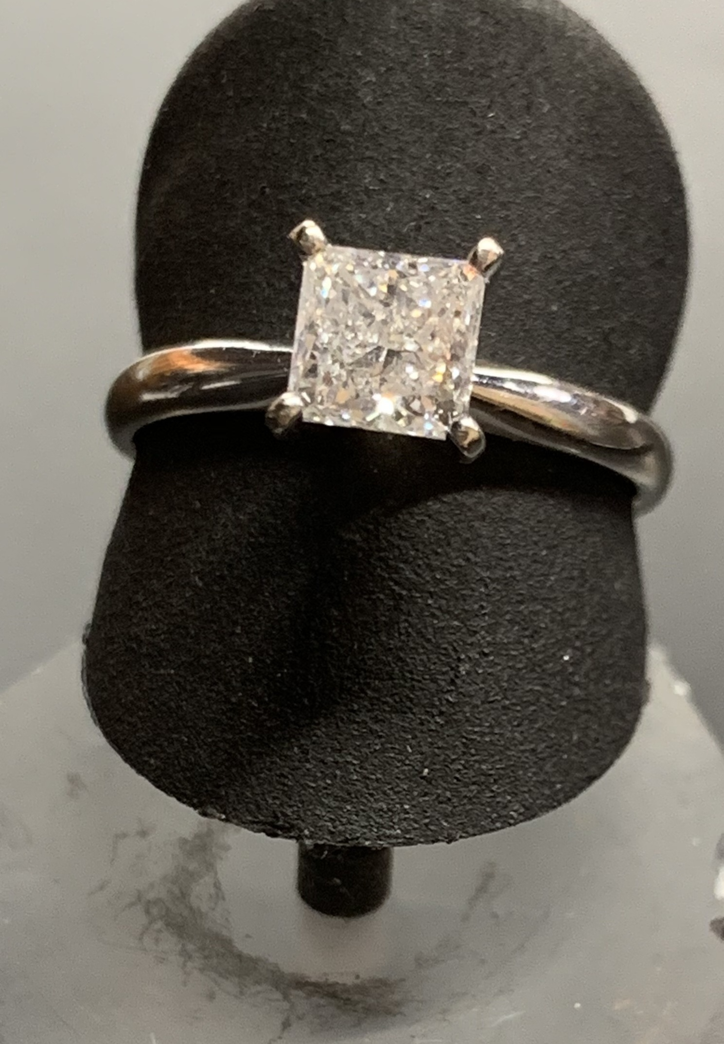 14KT WHITE GOLD PRINCESS CUT ENGAGEMENT RING