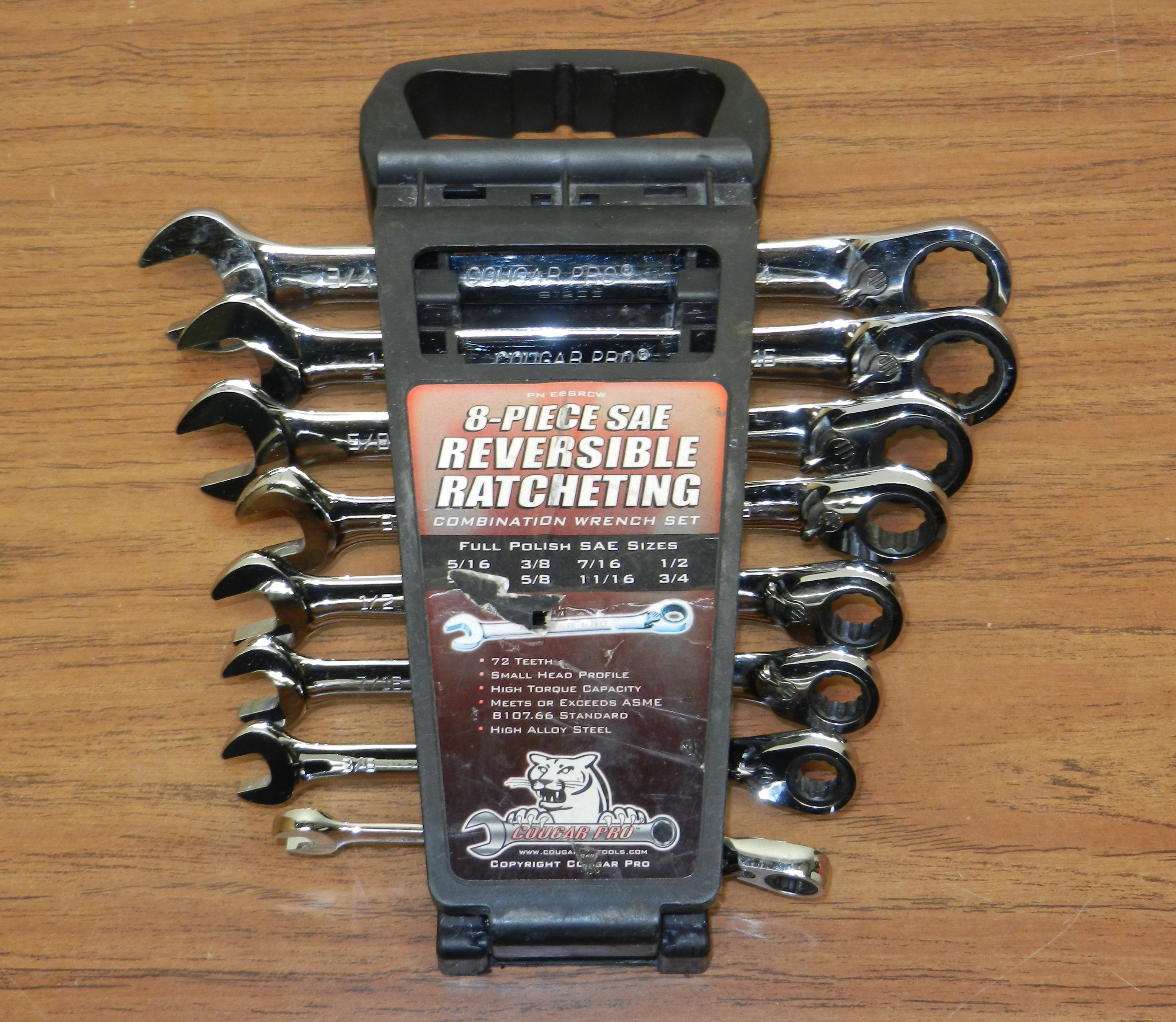 Cougar Pro 8 piece Reversible Ratcheting Combination Wrench Set