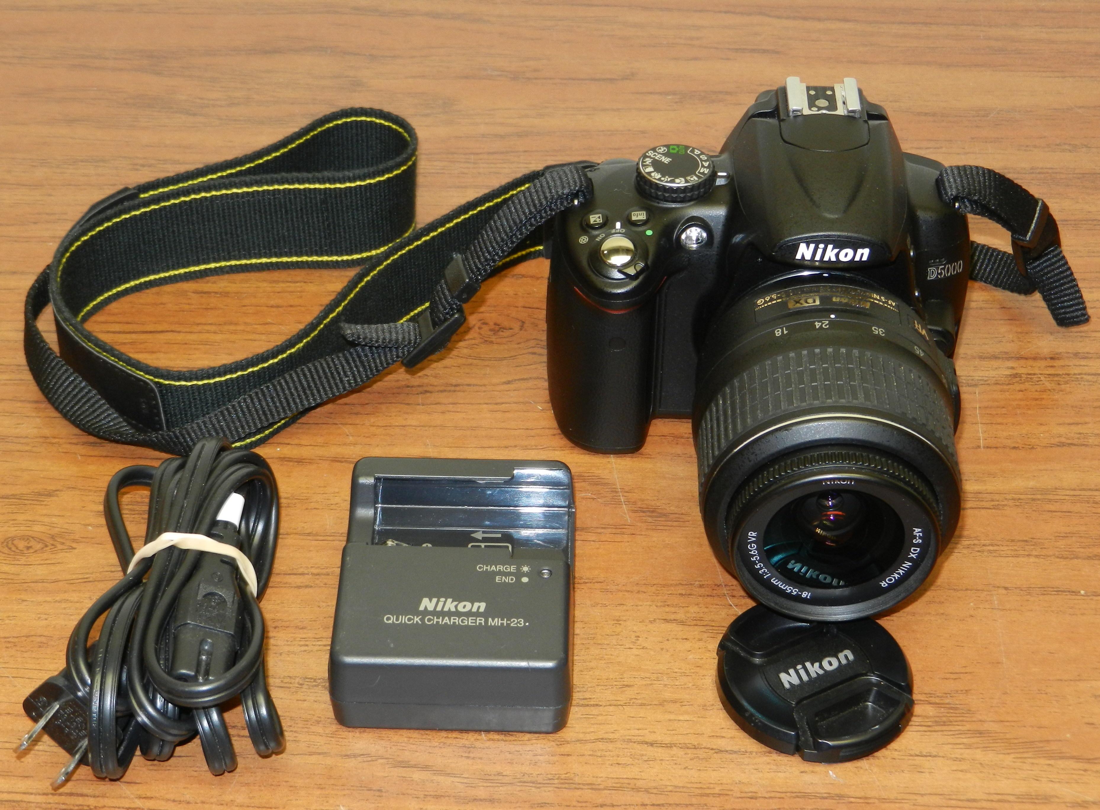 Nikon D5000 12.3MP Digital SLR Camera w/ DX 18-55mm Lens