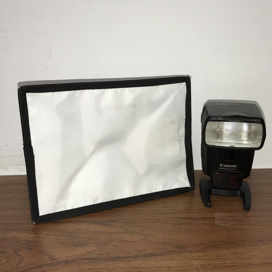 CANON SPEEDLITE 430EX II SHOE MOUNT FLASH FOR CANON W/ MINI STAND WHITE DIFFUSER