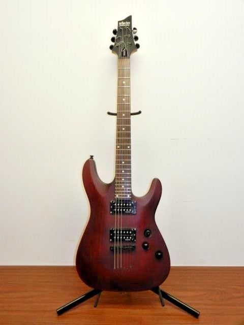 SCHECTER GUITAR RESEARCH OMEN-6 DIAMOND SERIES ELECTRIC GUITAR SATIN WALNUT NICE