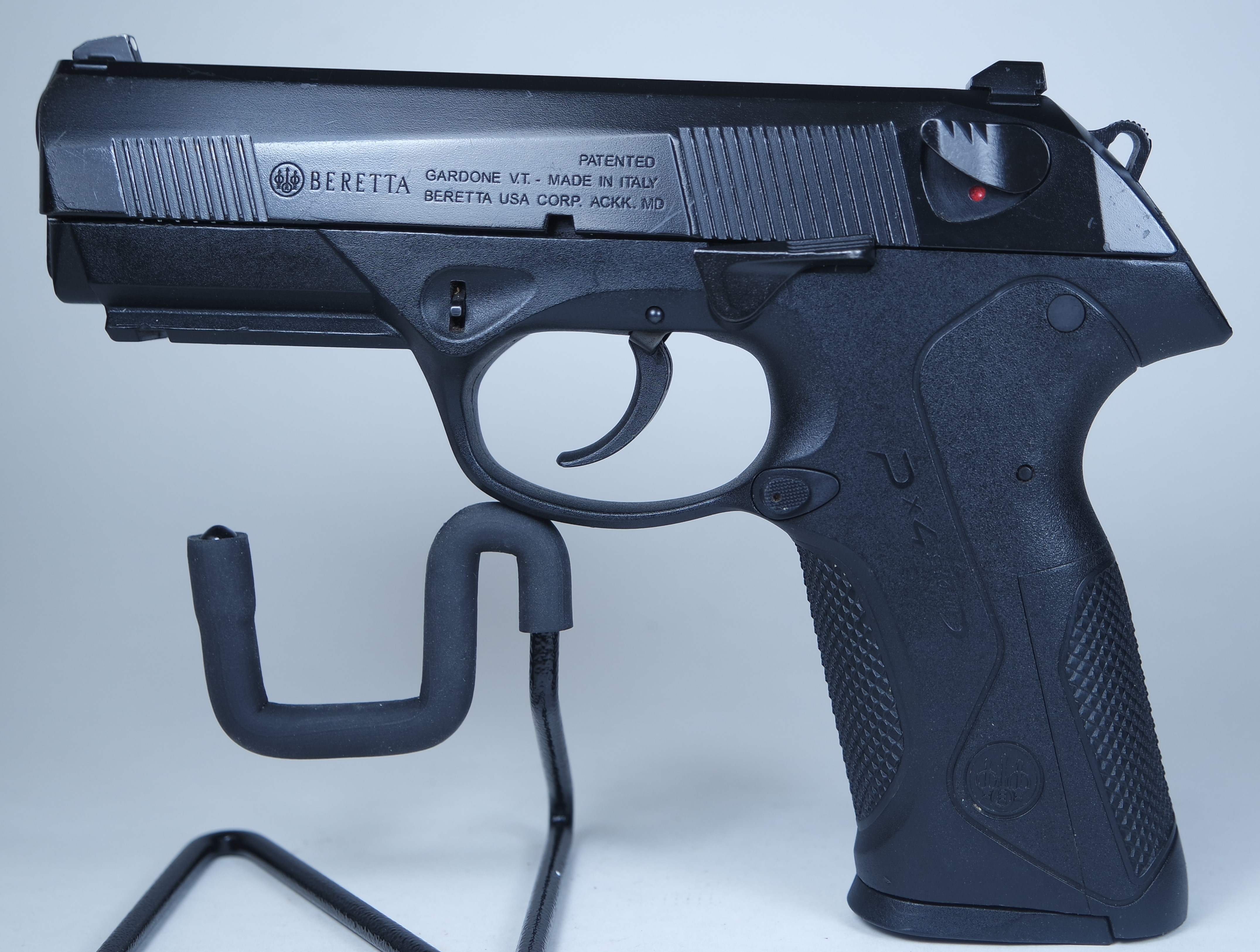 Beretta PX4 Storm Full Size Semi-Auto .40 S&W Pistol Pre-Owned