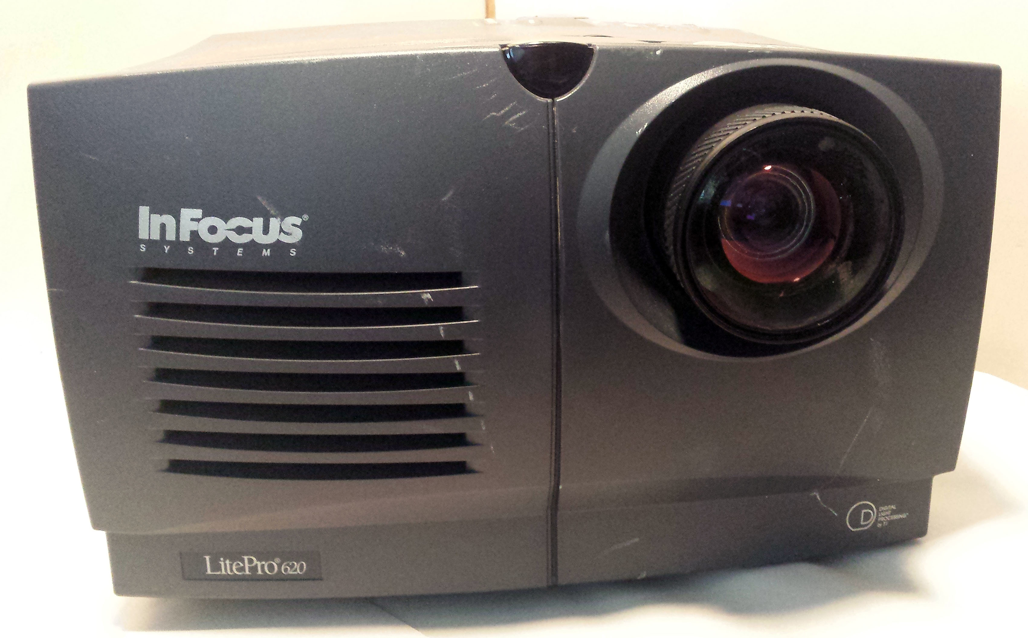 InFocus LitePro 720 Projector Multimedia LCD with cable LP720