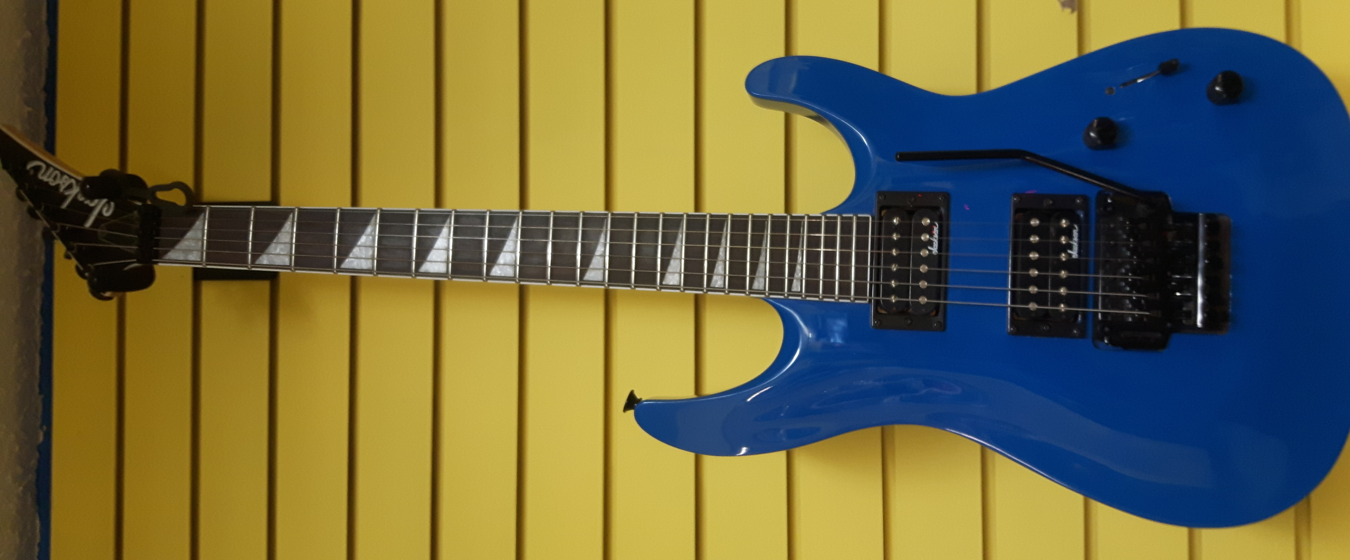 JACKSON - DINKY - GUITAR/ELECTRIC MUSICAL INSTRUMENTS