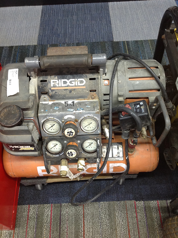 RIDGID - MOBILE AIR TWIN TANK - AIR COMPRESSOR