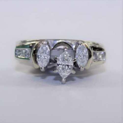 LADIES MARQUIS DIAMOND RING