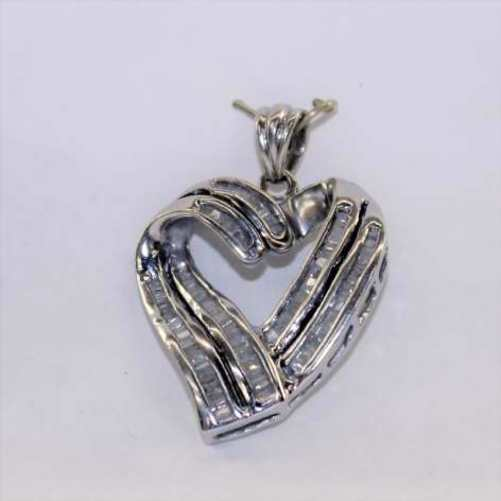LADIES WHITE GOLD DIAMOND HEART CHARM