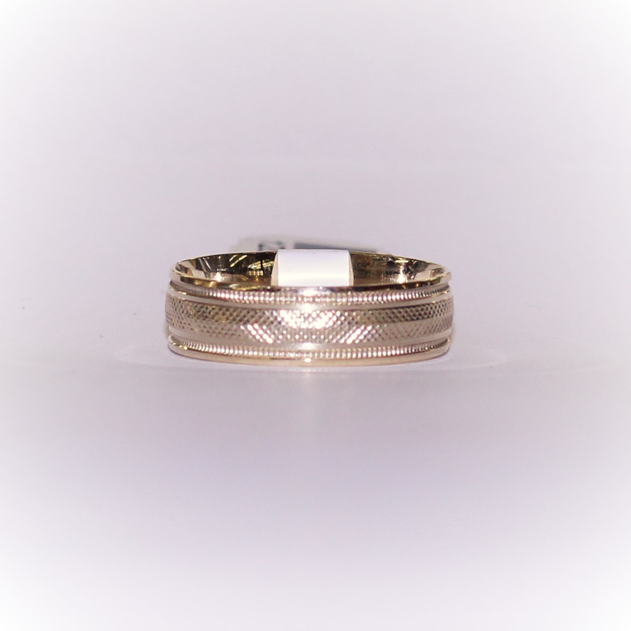10KT GOLD TEXTURED BAND