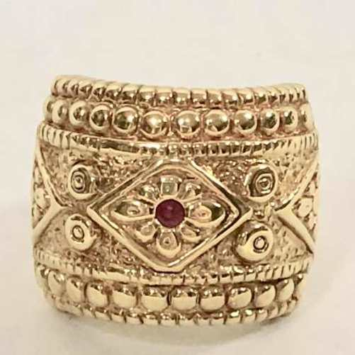 14 Gold Ruby Ring with intricate design
