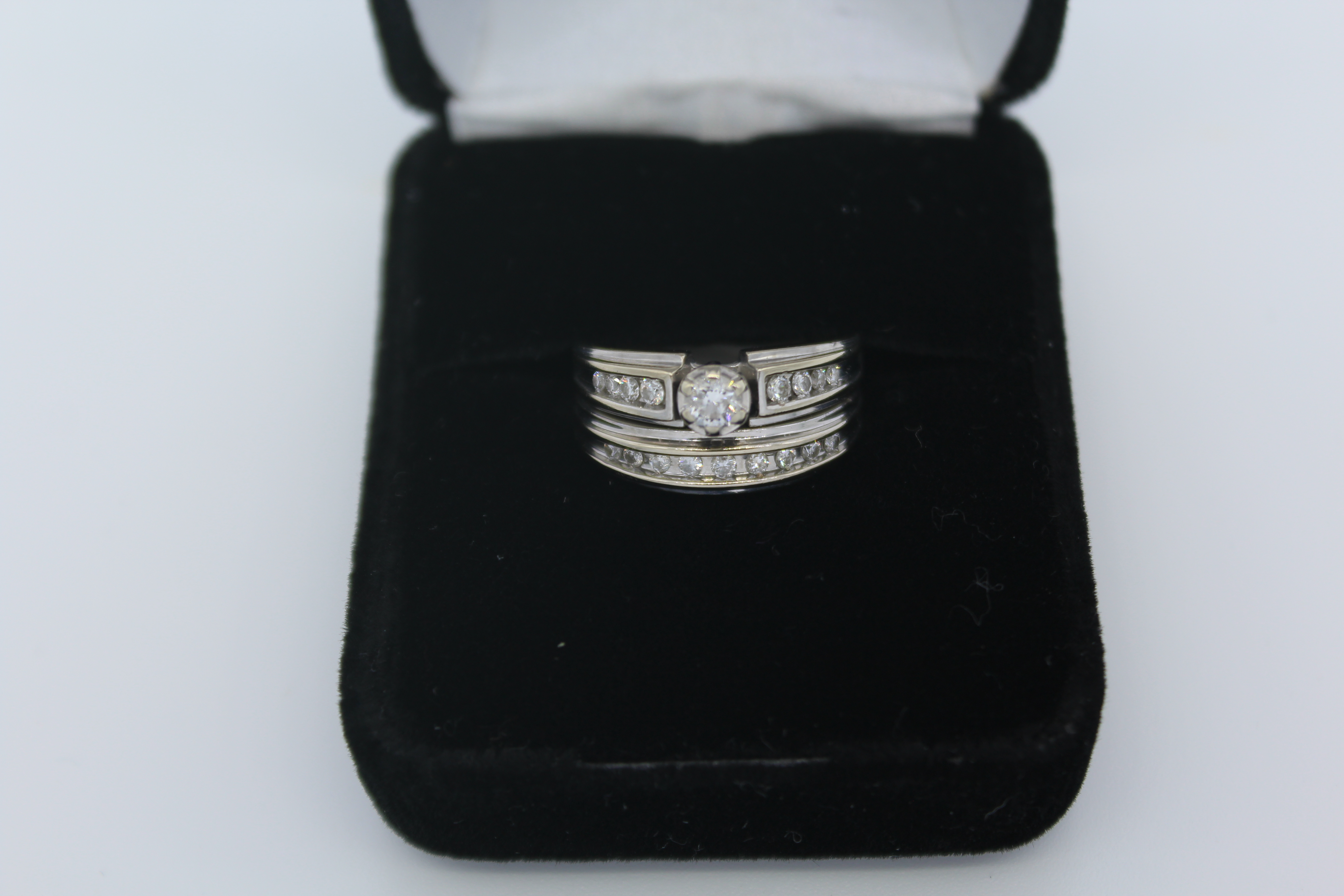 White Gold Diamond Engagement/Wedding Ring Set