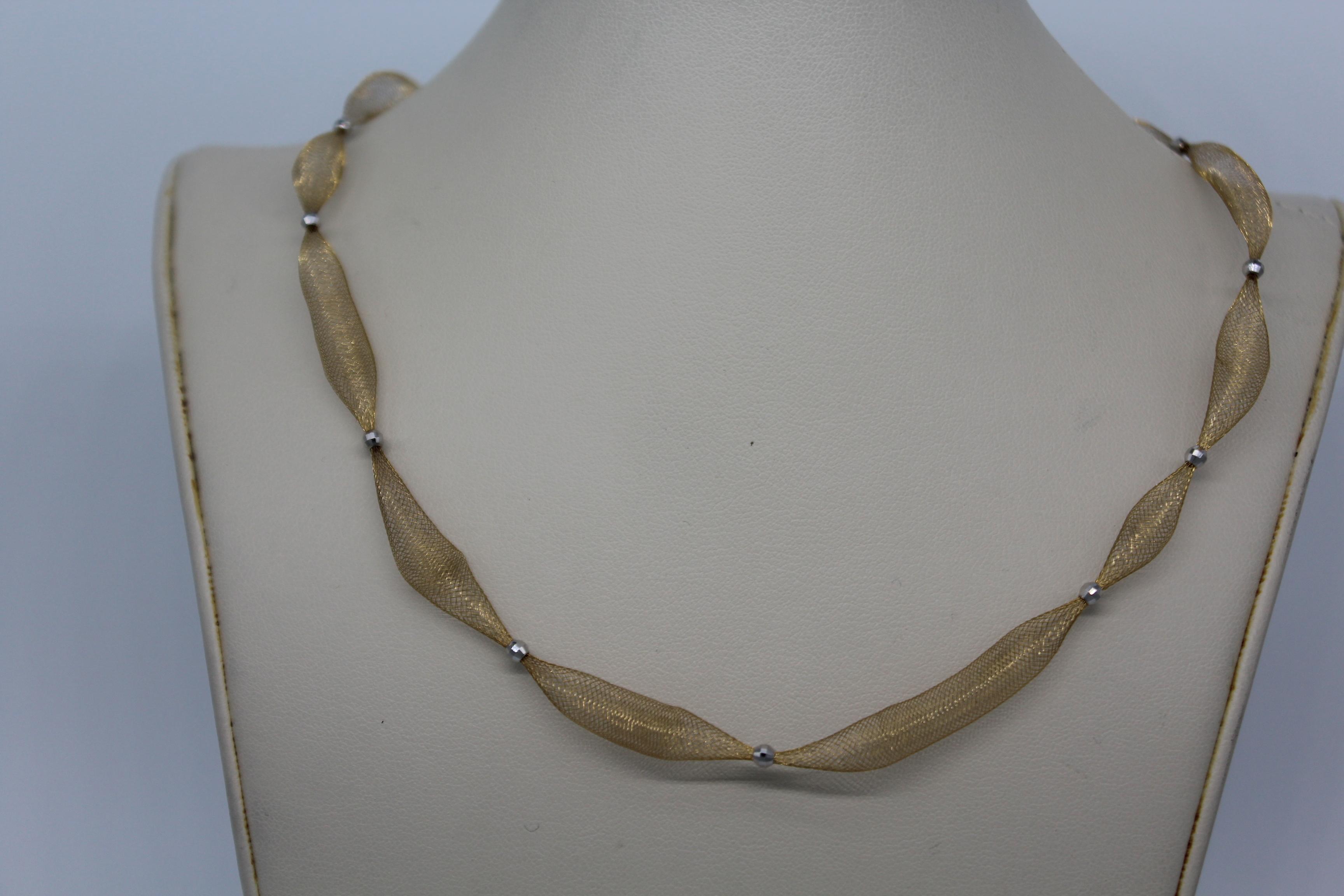 Unique & Stunning Necklace