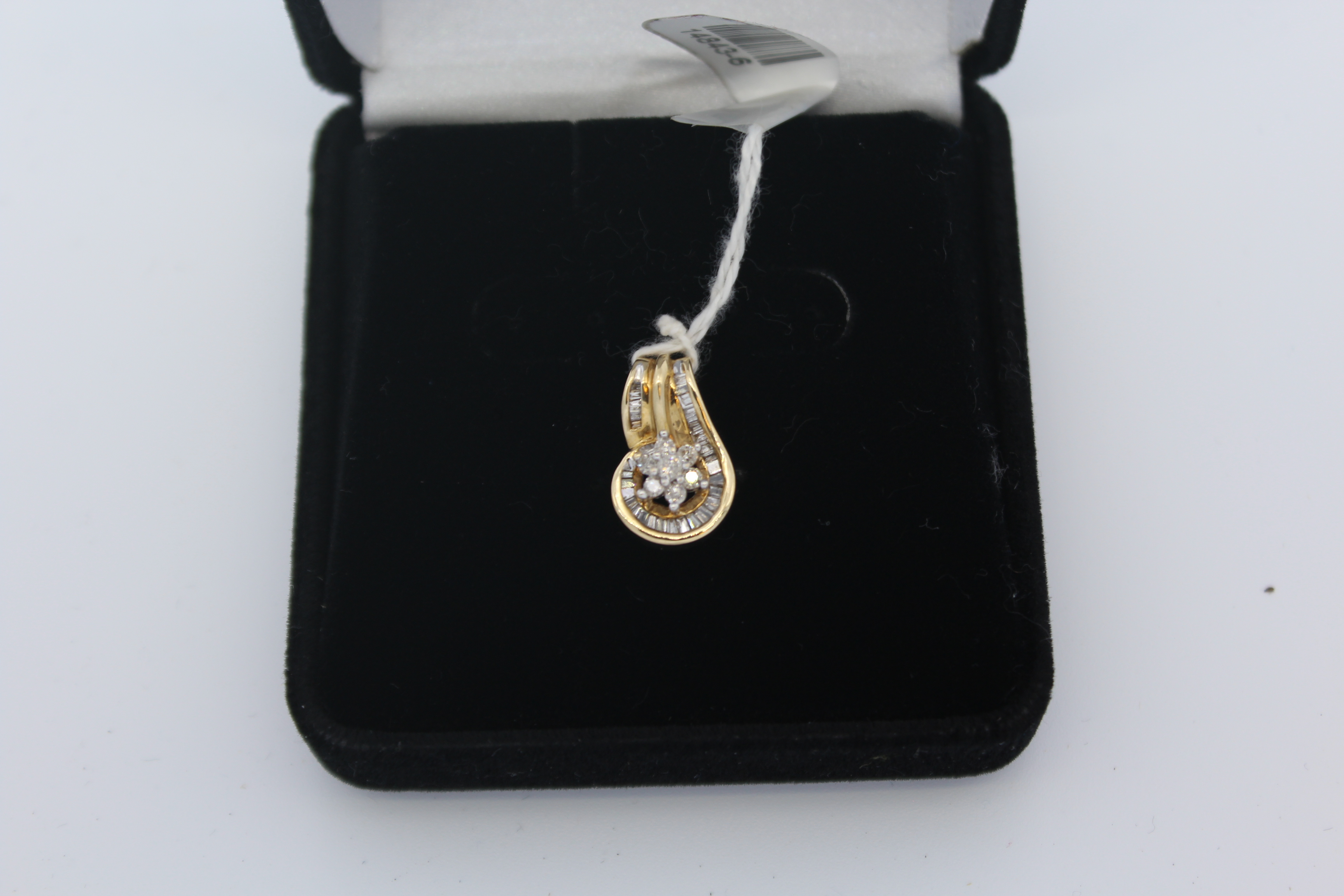 10K Yellow Gold with clear Stones Pendant