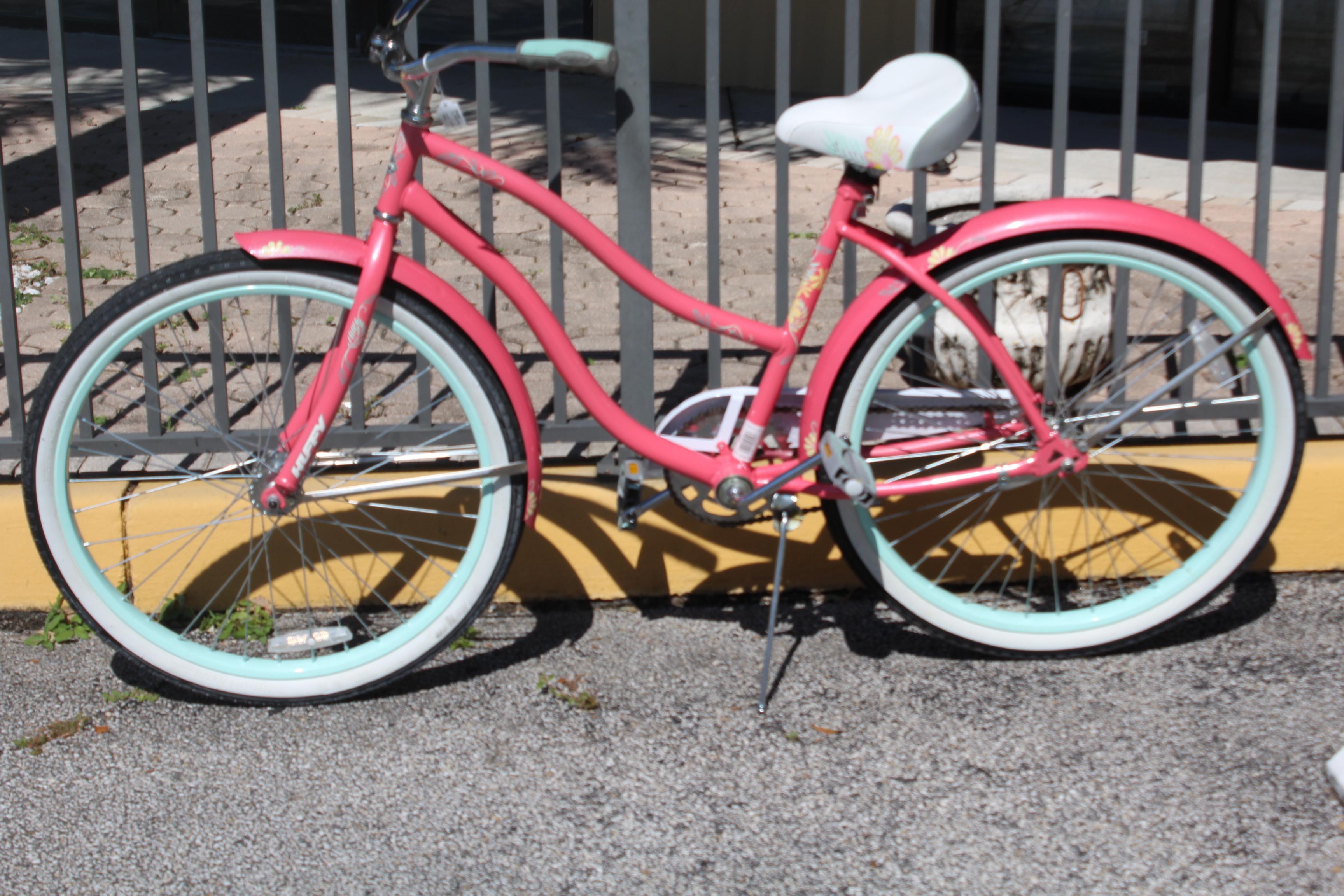 Huffy Beach Cruiser Pink Bicycle