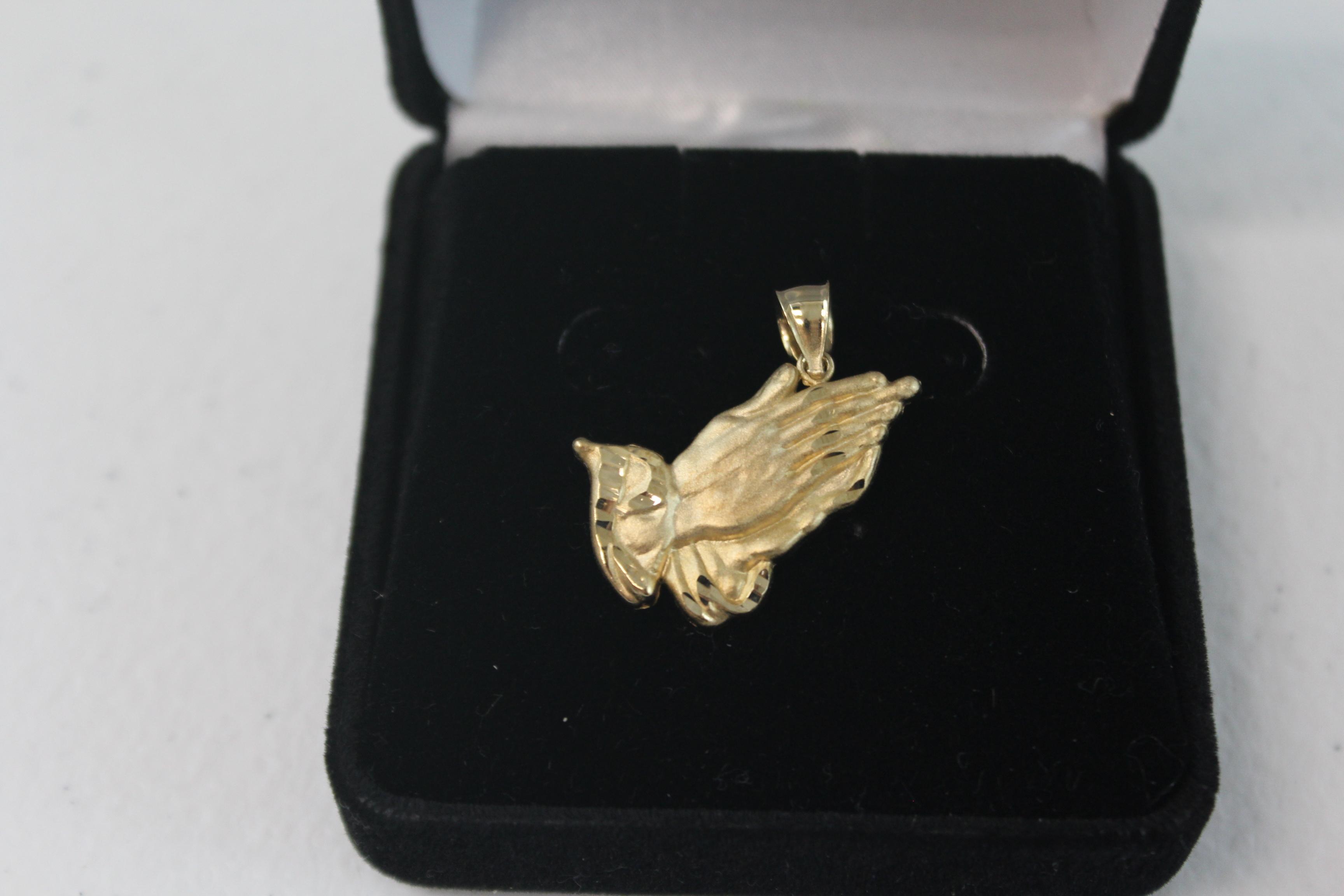 10K Yellow Gold Praying Hands Pendant/Charm