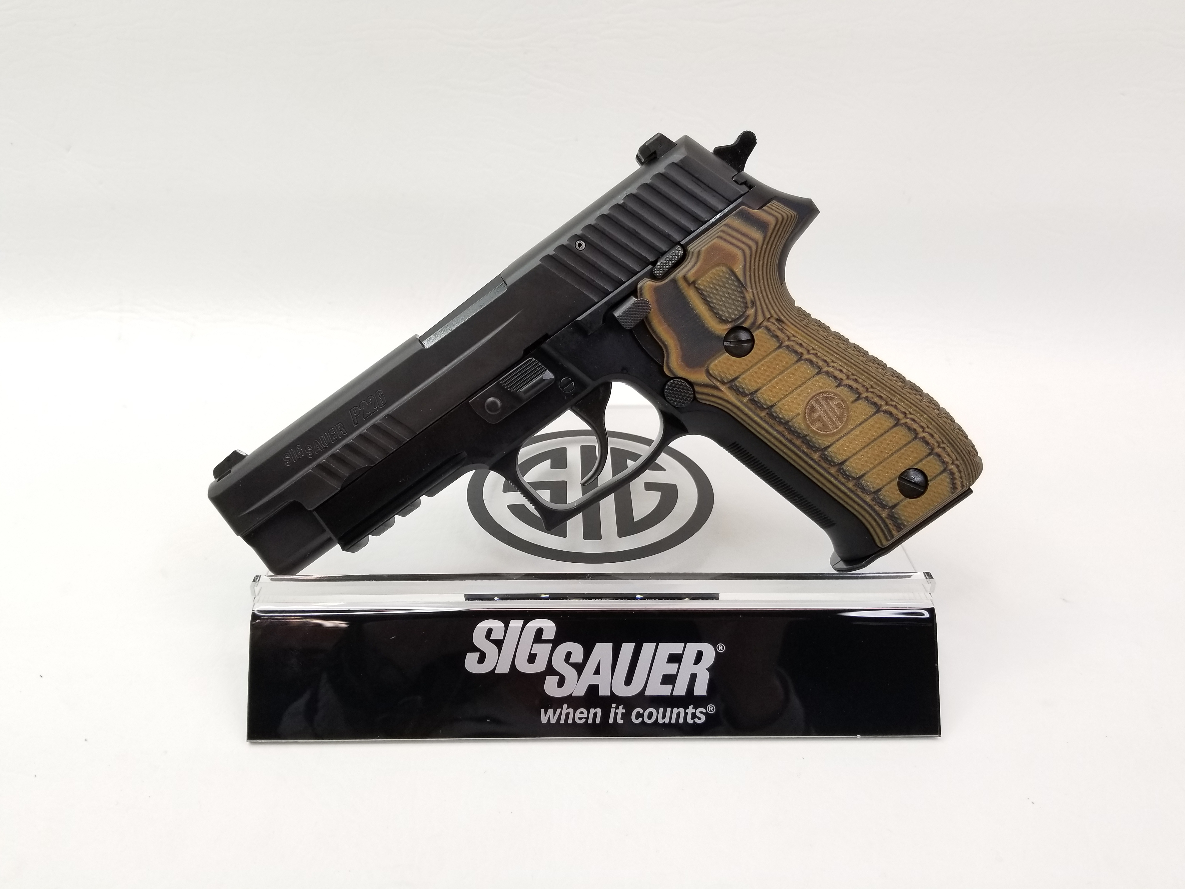 Sig Sauer P226 R Select 9mm Night Sight-img-0
