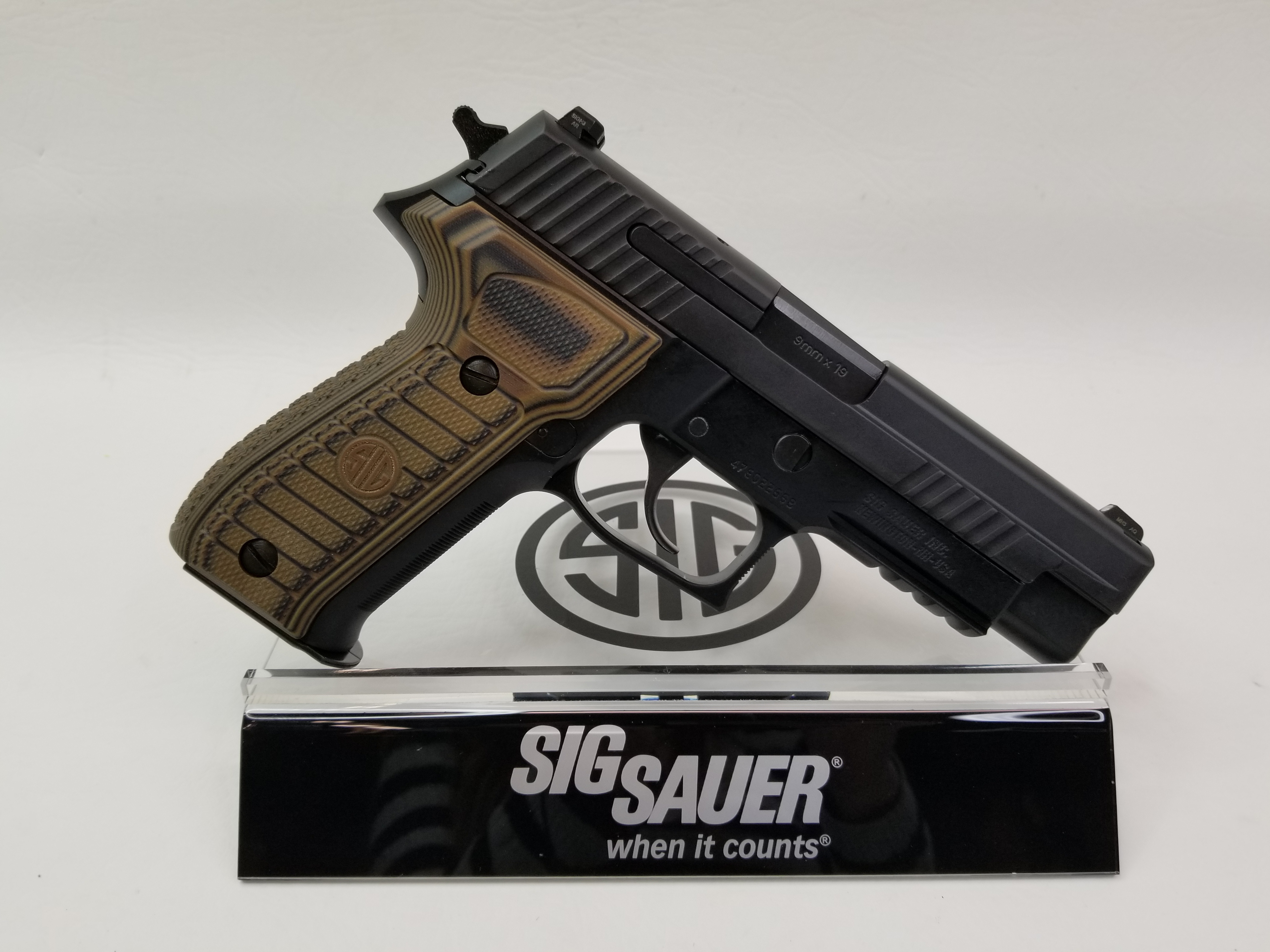 Sig Sauer P226 R Select 9mm Night Sight-img-1