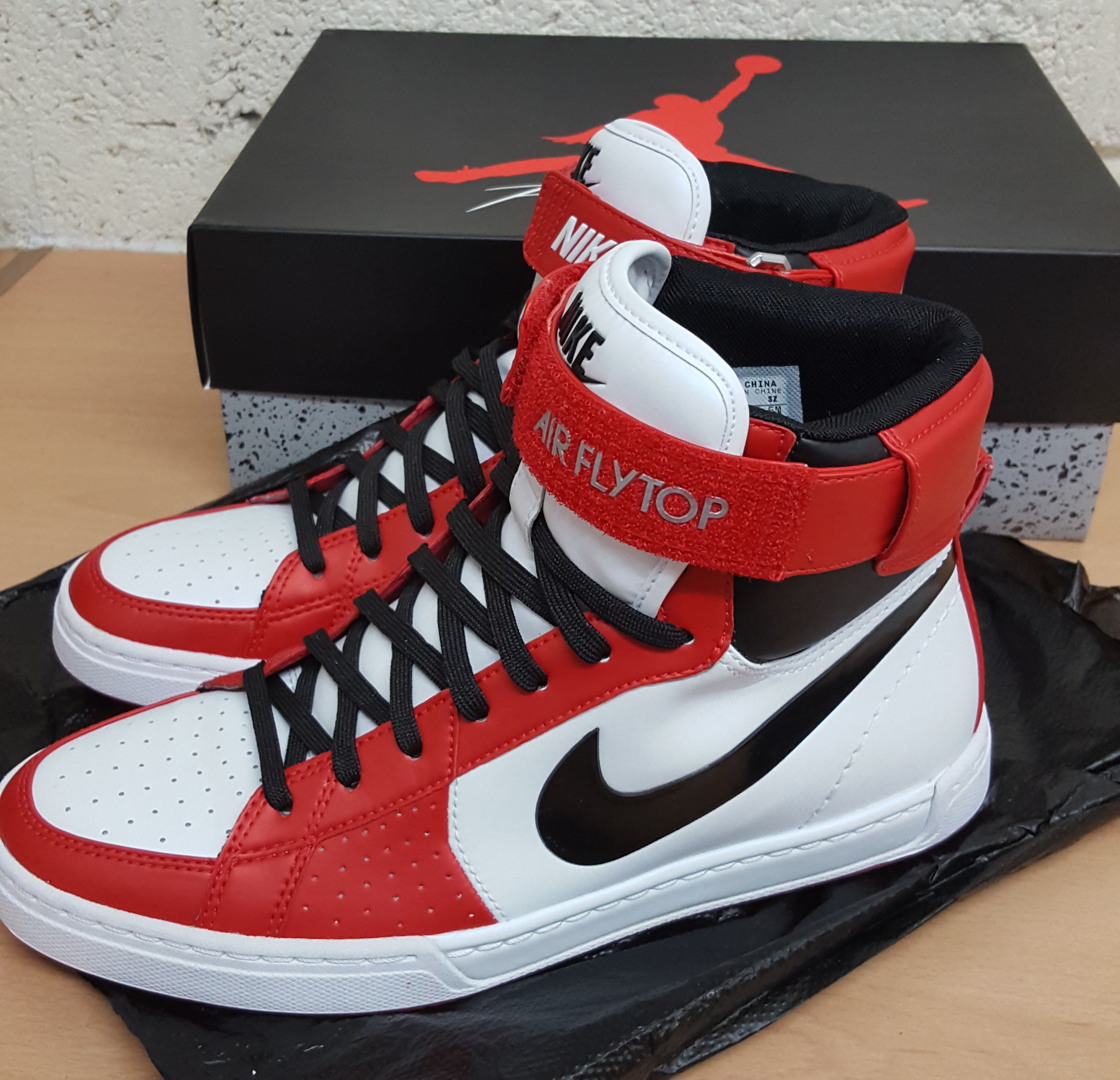 Nike Air Flytop - 385225-103 - UK SIZE 7