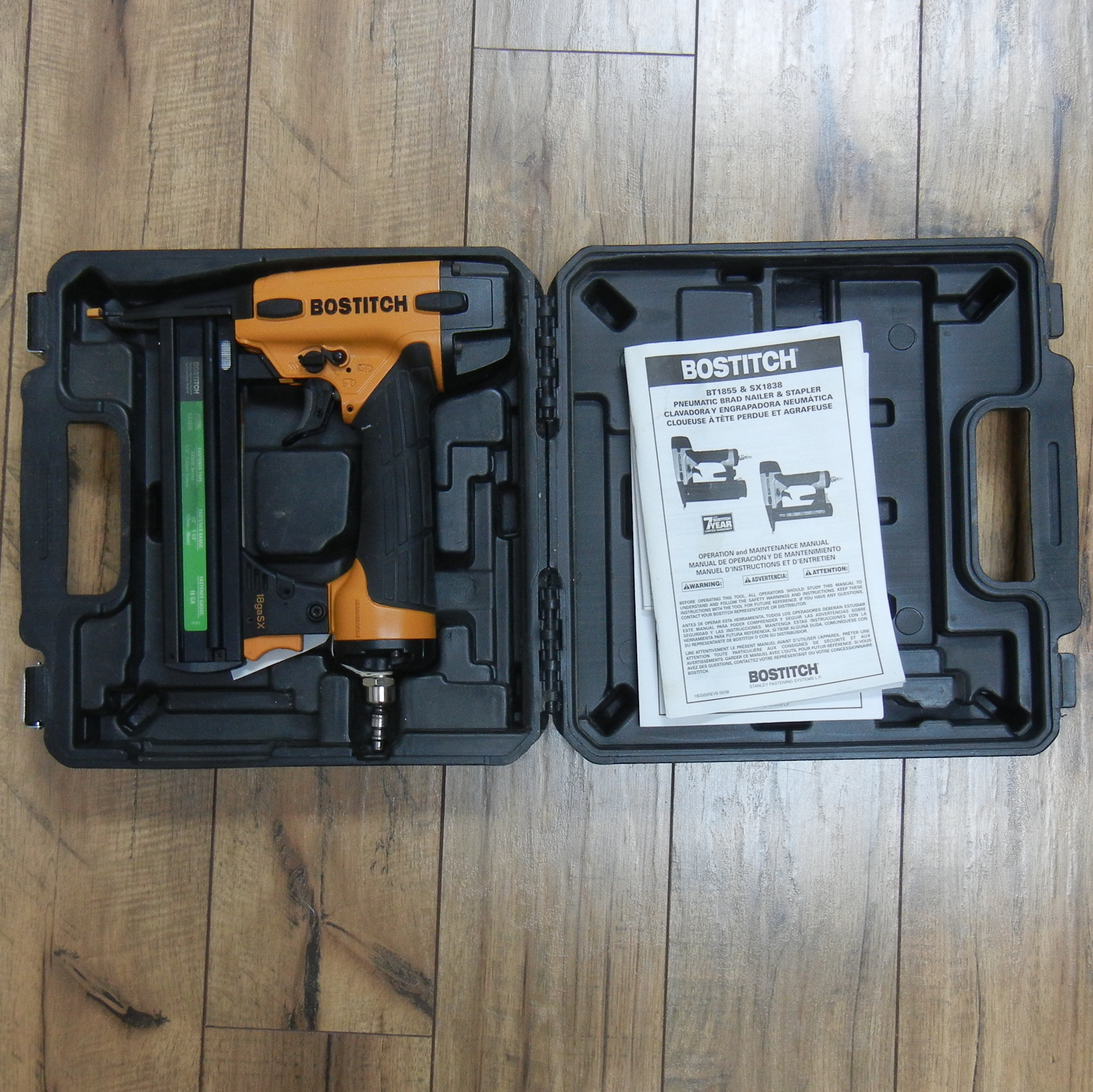 BOSTITCH AIR NAILER IN HARD CASE