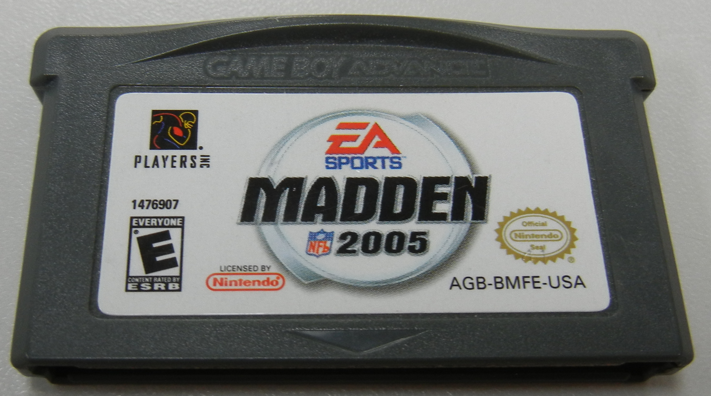 EA SPORTS MADDEN NFL 2005 GAMEBOY ADVANCE GAME