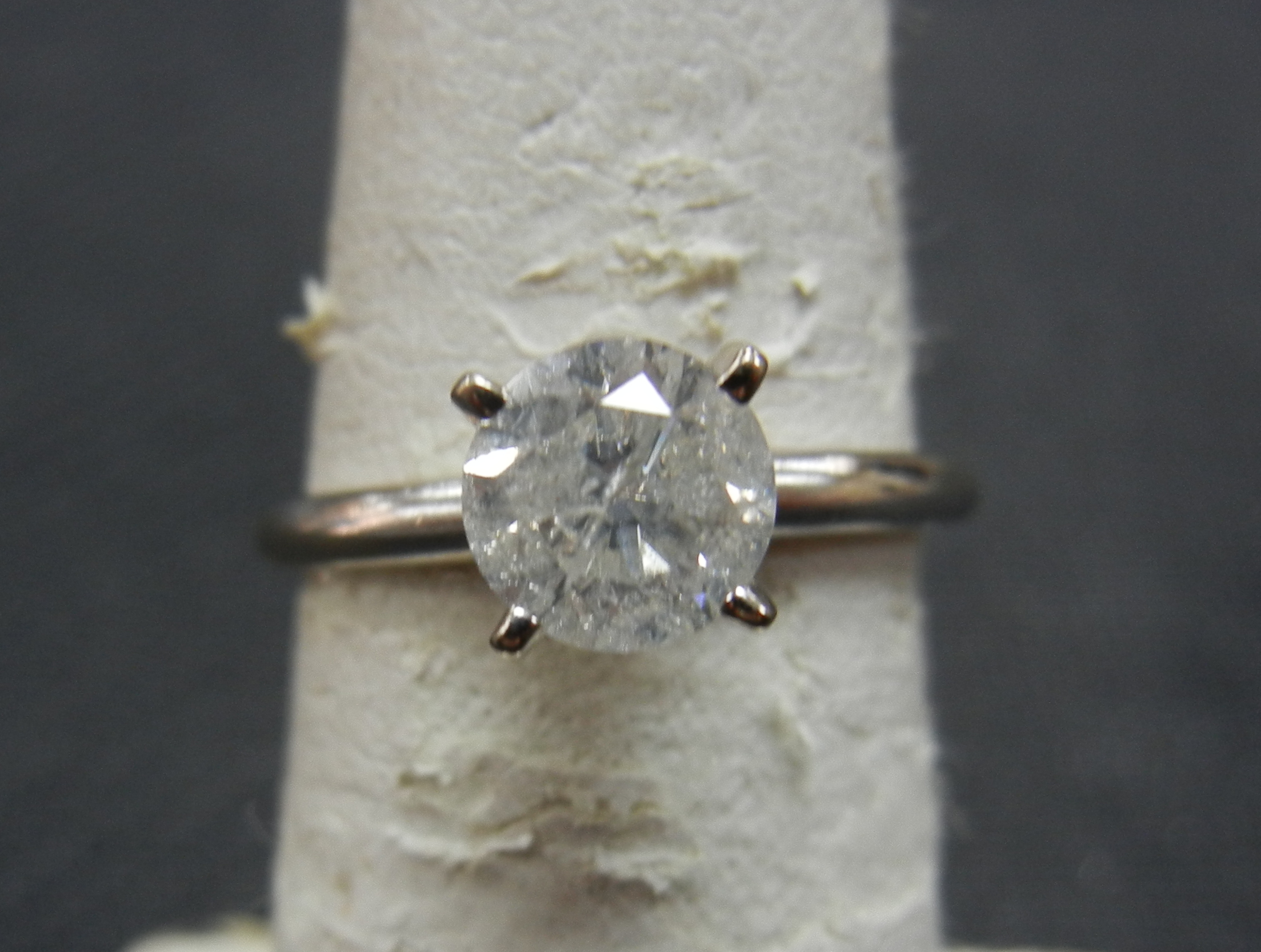 14KT WHITE GOLD SOLITAIRE DIAMOND RING
