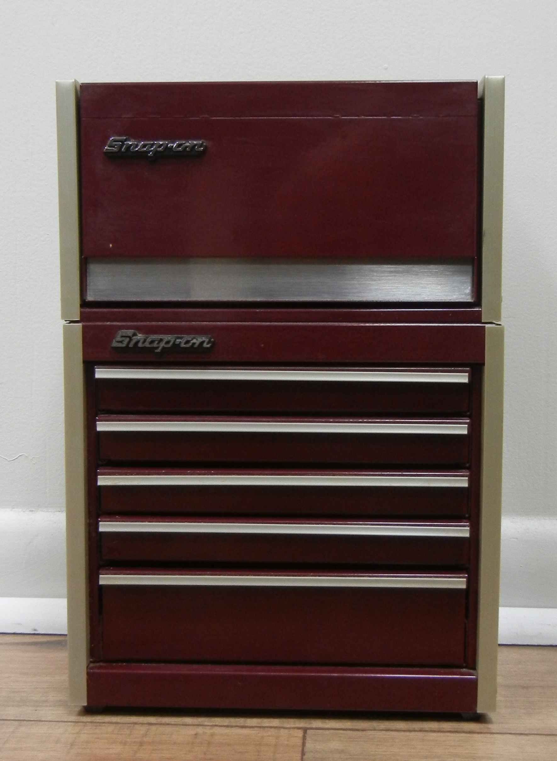 SNAP ON MAROON TWO PIECE MINI TOOLBOX