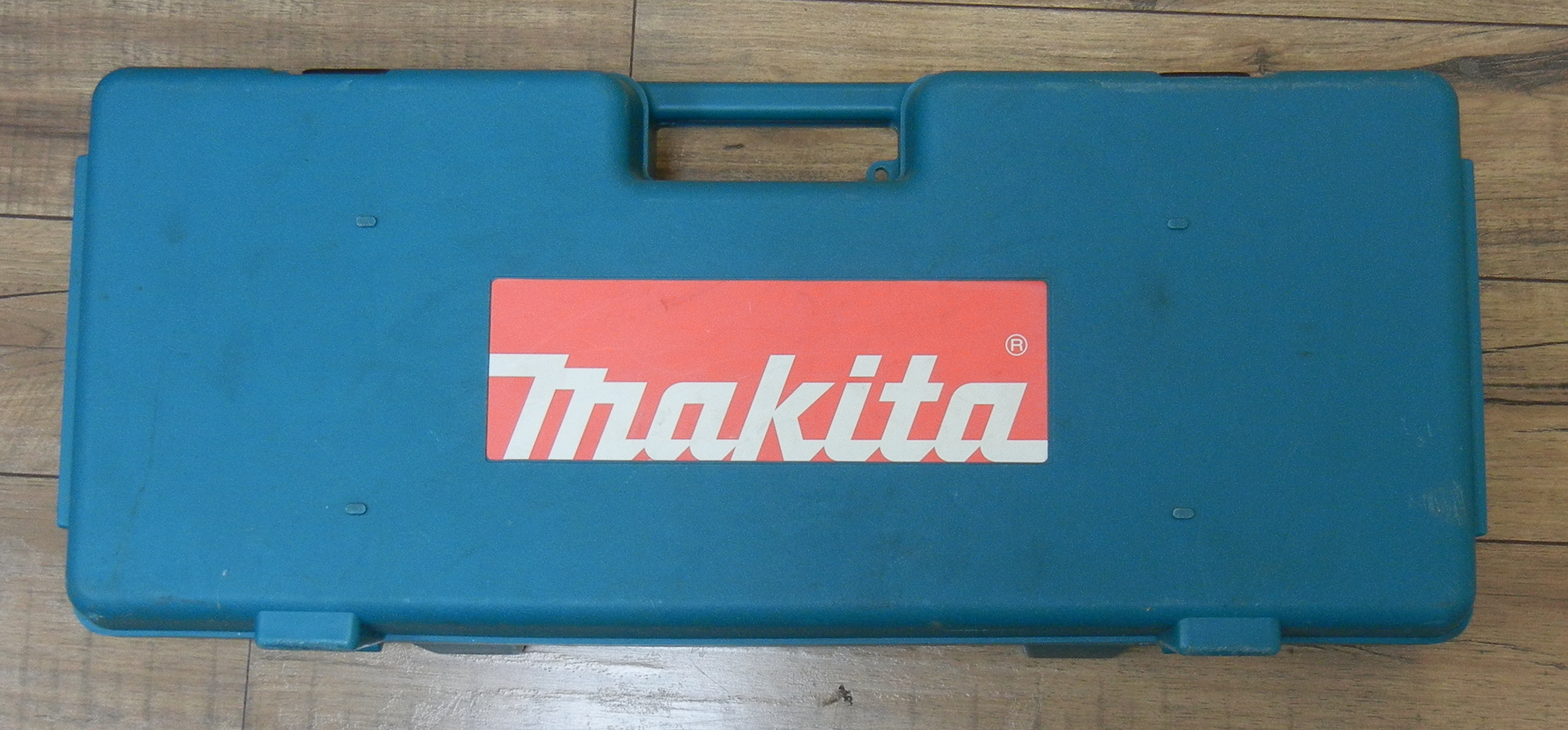 MAKITA - JR3050T SAWZALL WITH HARD CASE