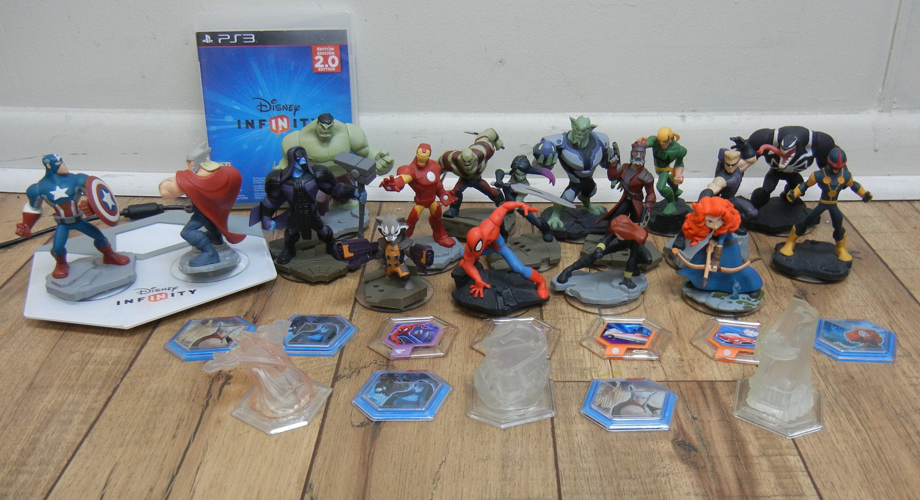 DISNEY INFINITY WITH CHARACTERS- PS 3 GAME