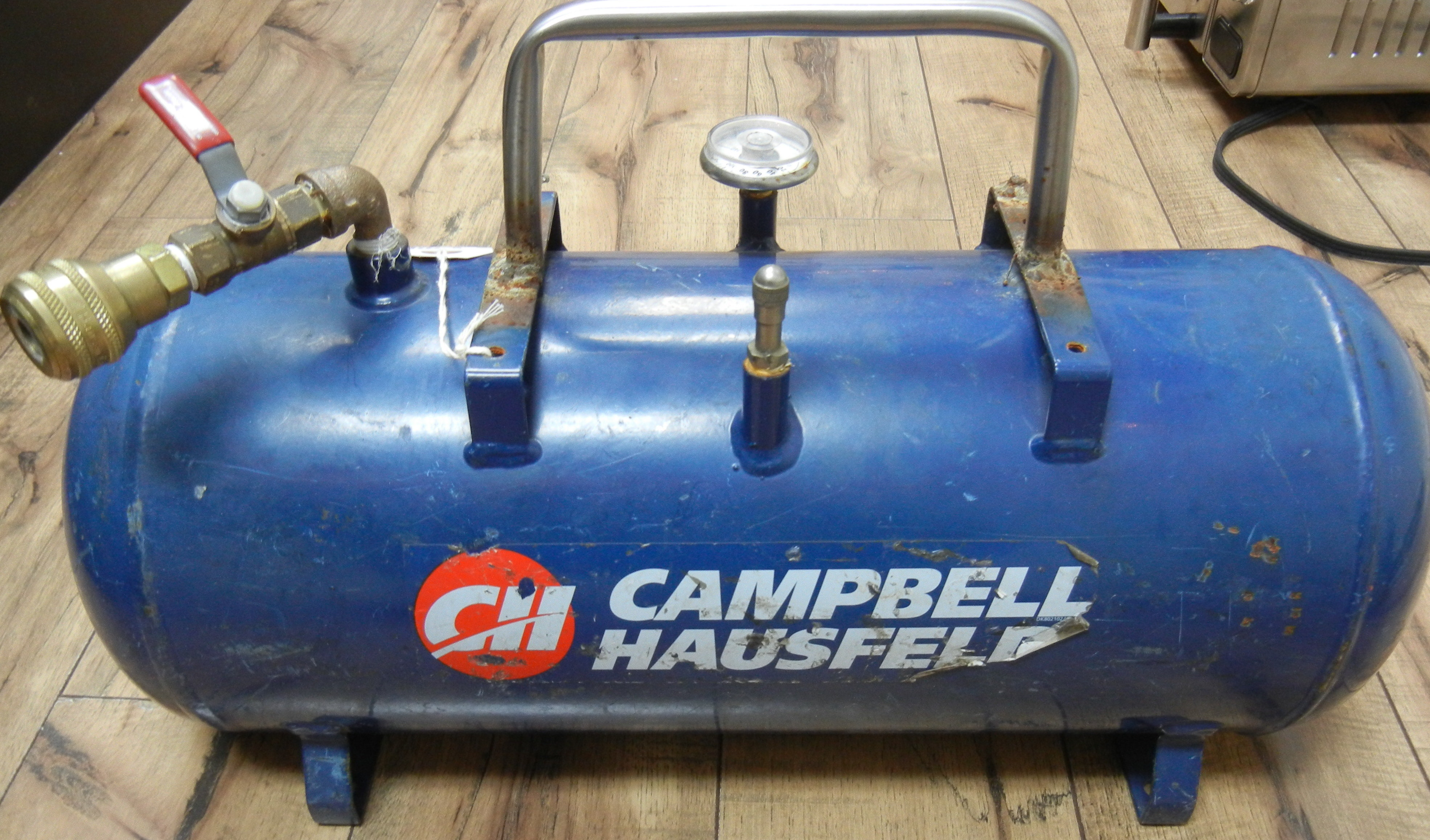 CAMPBELL HAUS. AIR TANK