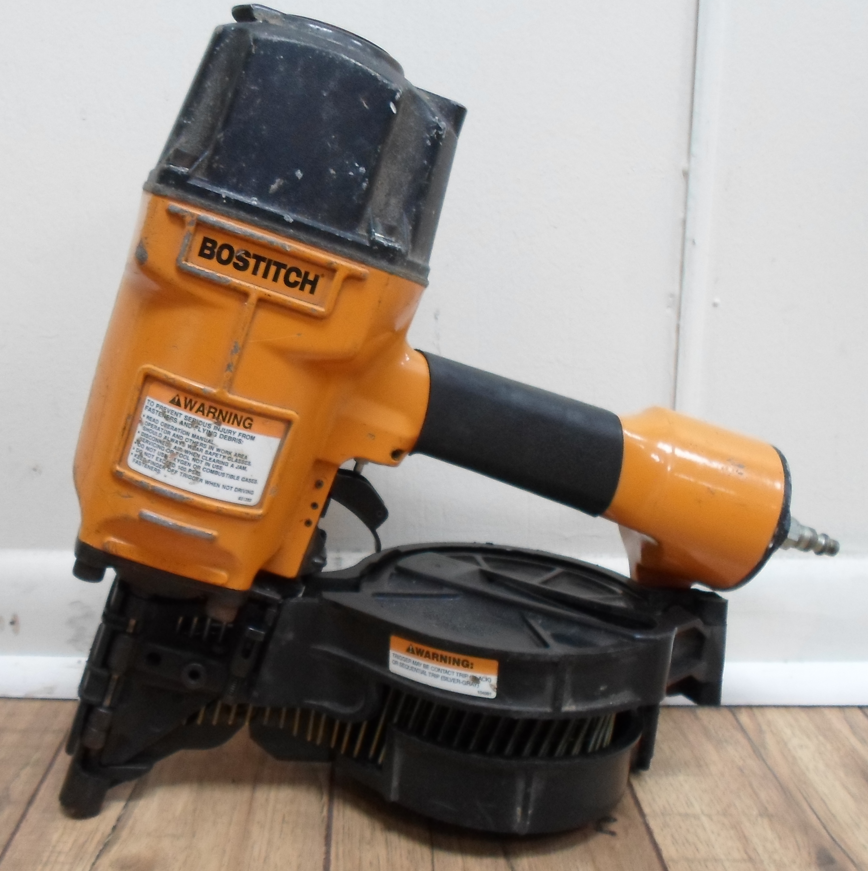 BOSTITCH -  8 PENNY COIL NAILER
