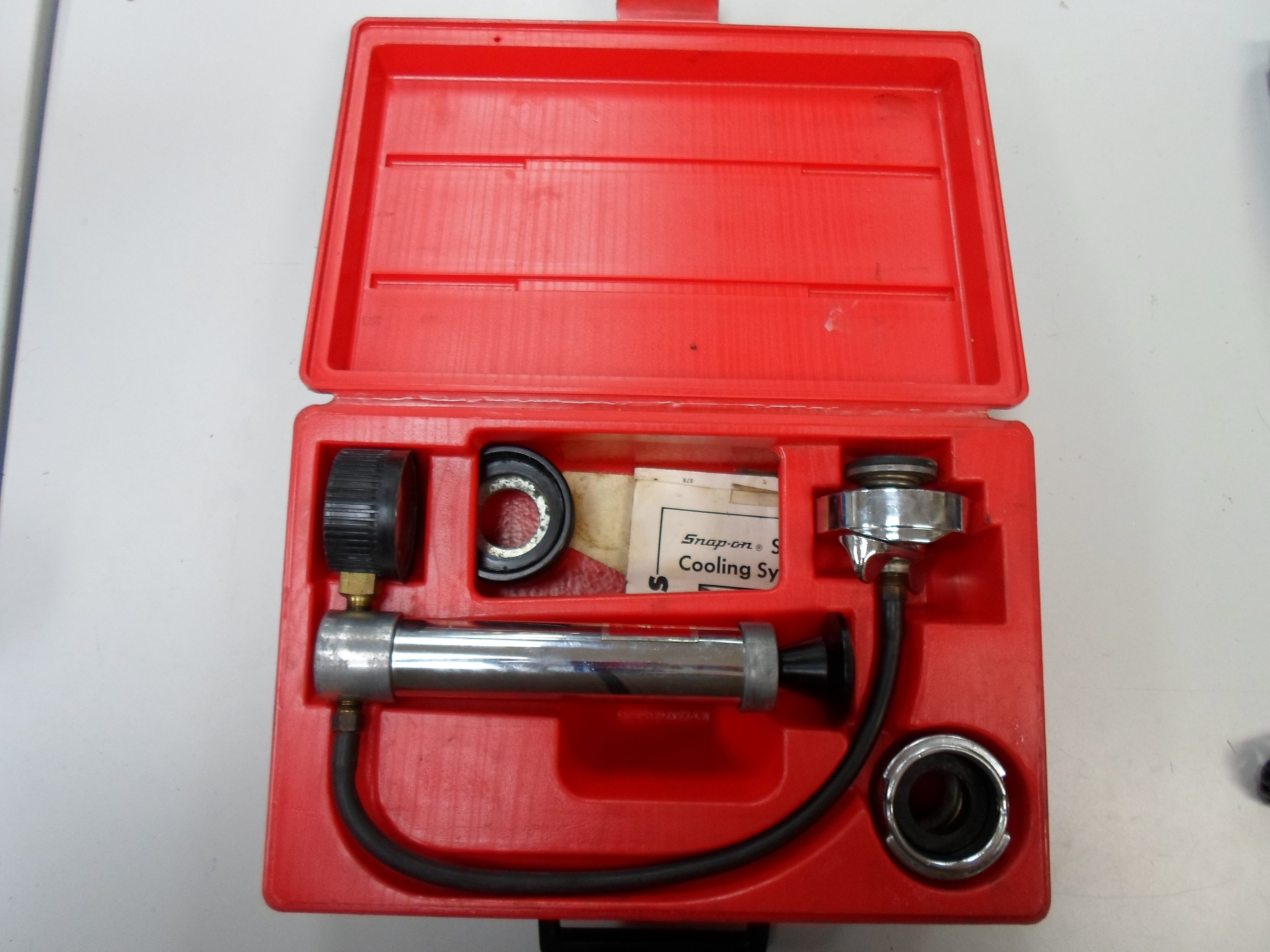 SNAP-ON - SVT262 - COOLING SYSTEM TESTER