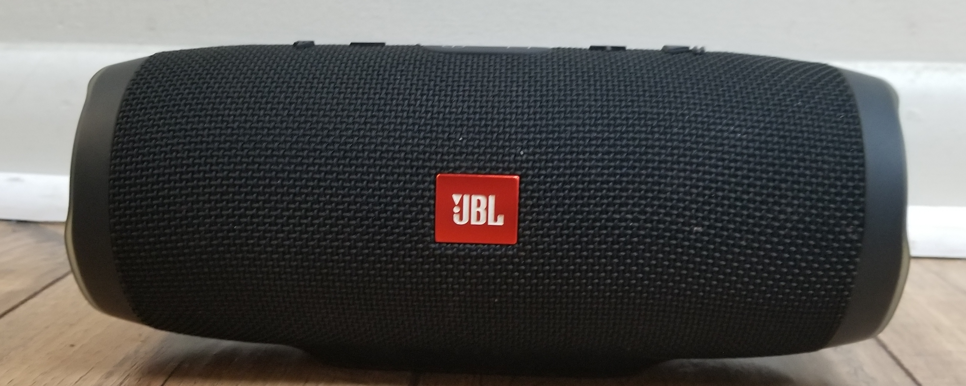 JBL - CHARGE 3 **SEE PHOTOS**