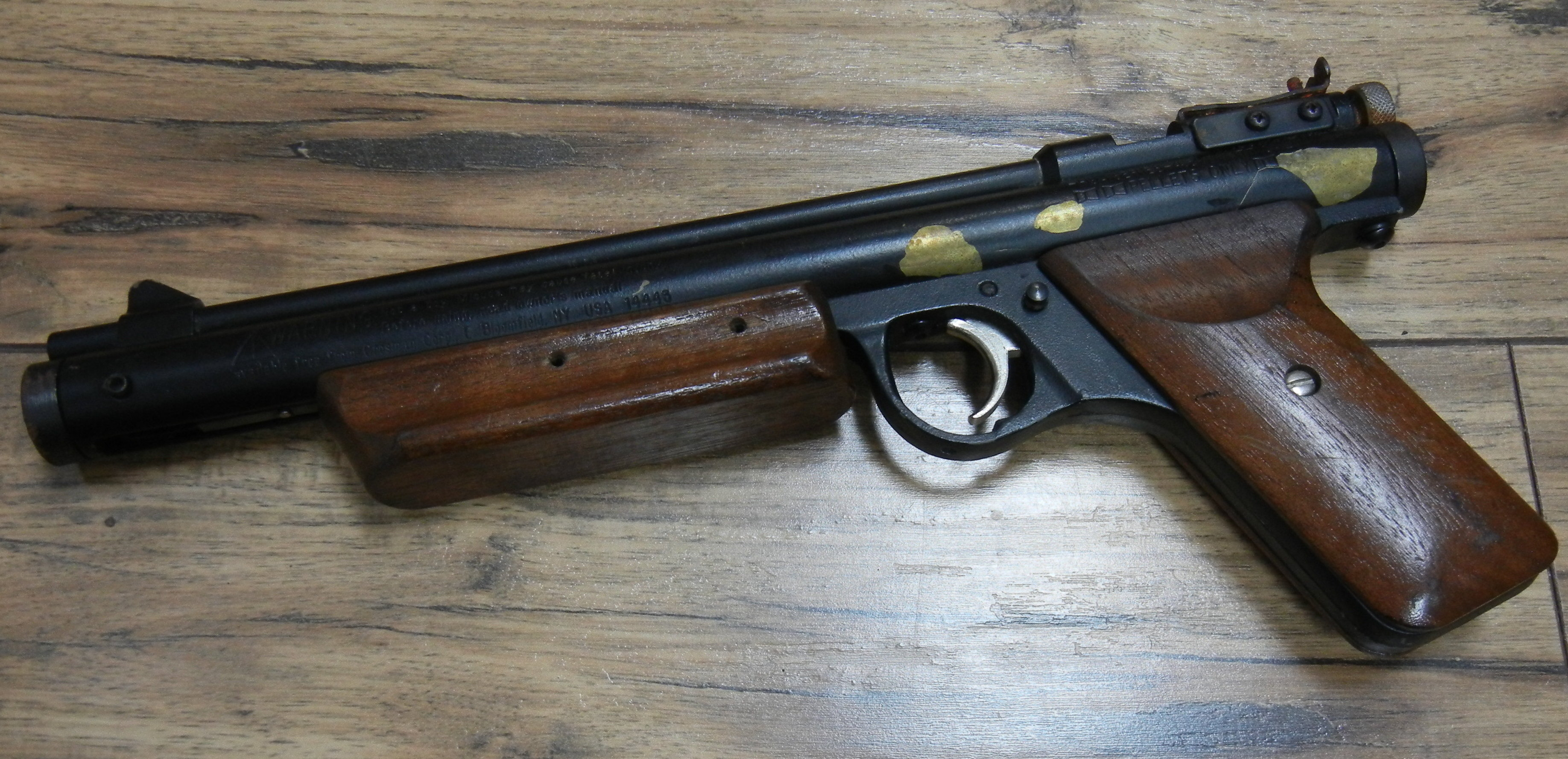 VINTAGE CROSMAN - H9A SERIES - PELLET GUN HUNTING SUPPLIES
