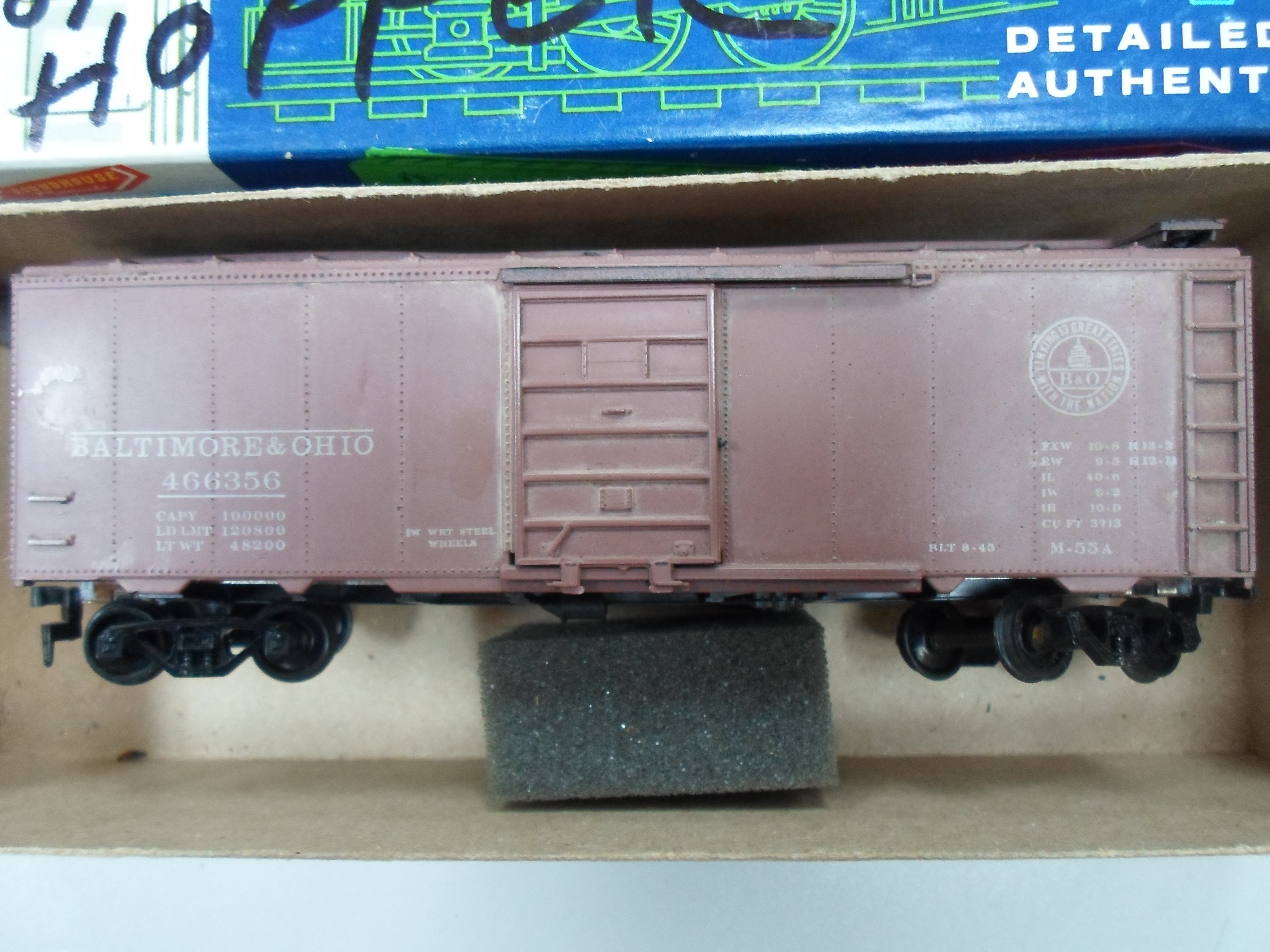 ROUNDHOUSE B&O H.O. SCALE BOXCAR
