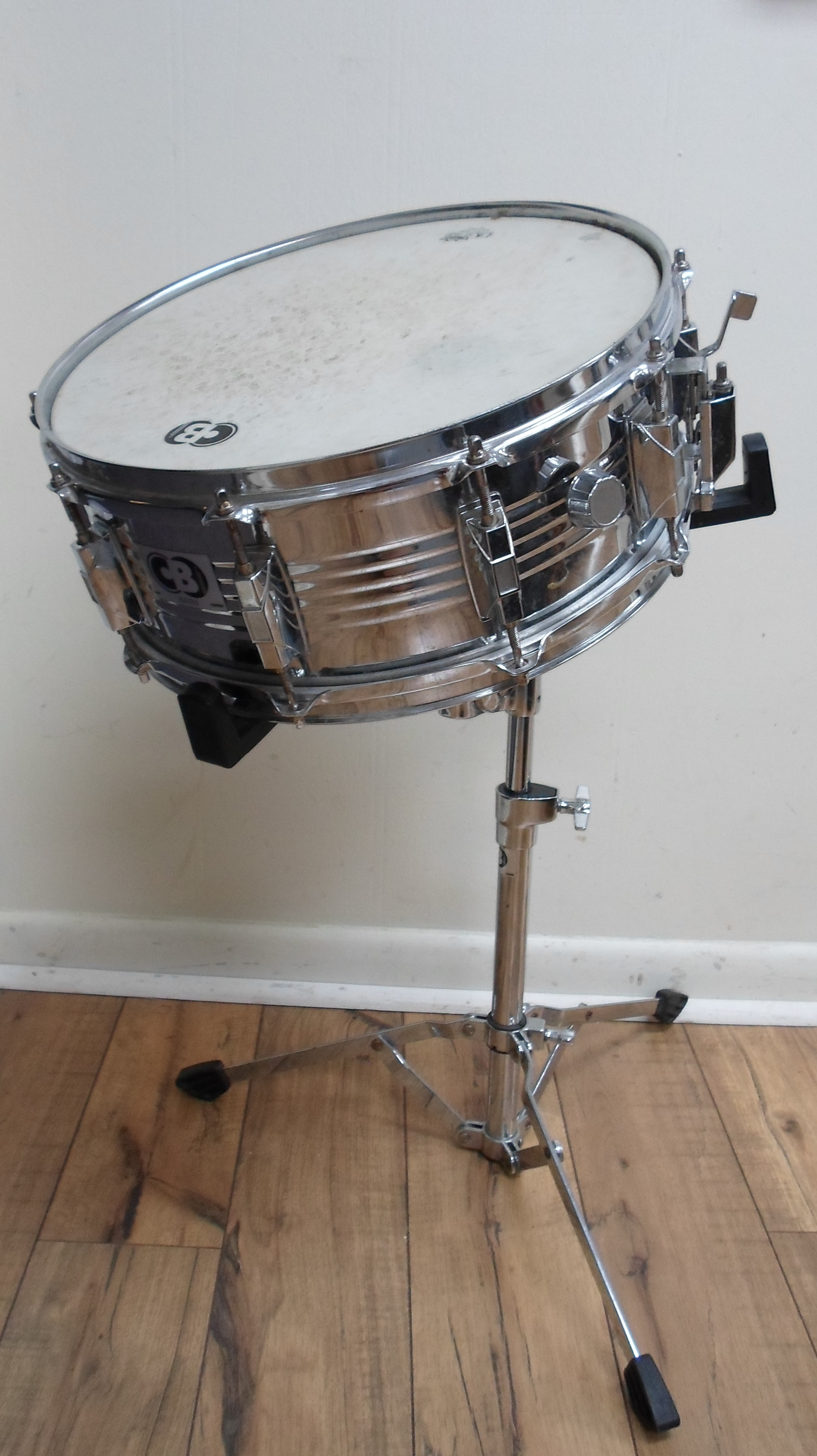 CB CHROME STUDENT SNARE WITH STAND AND HARD CASE