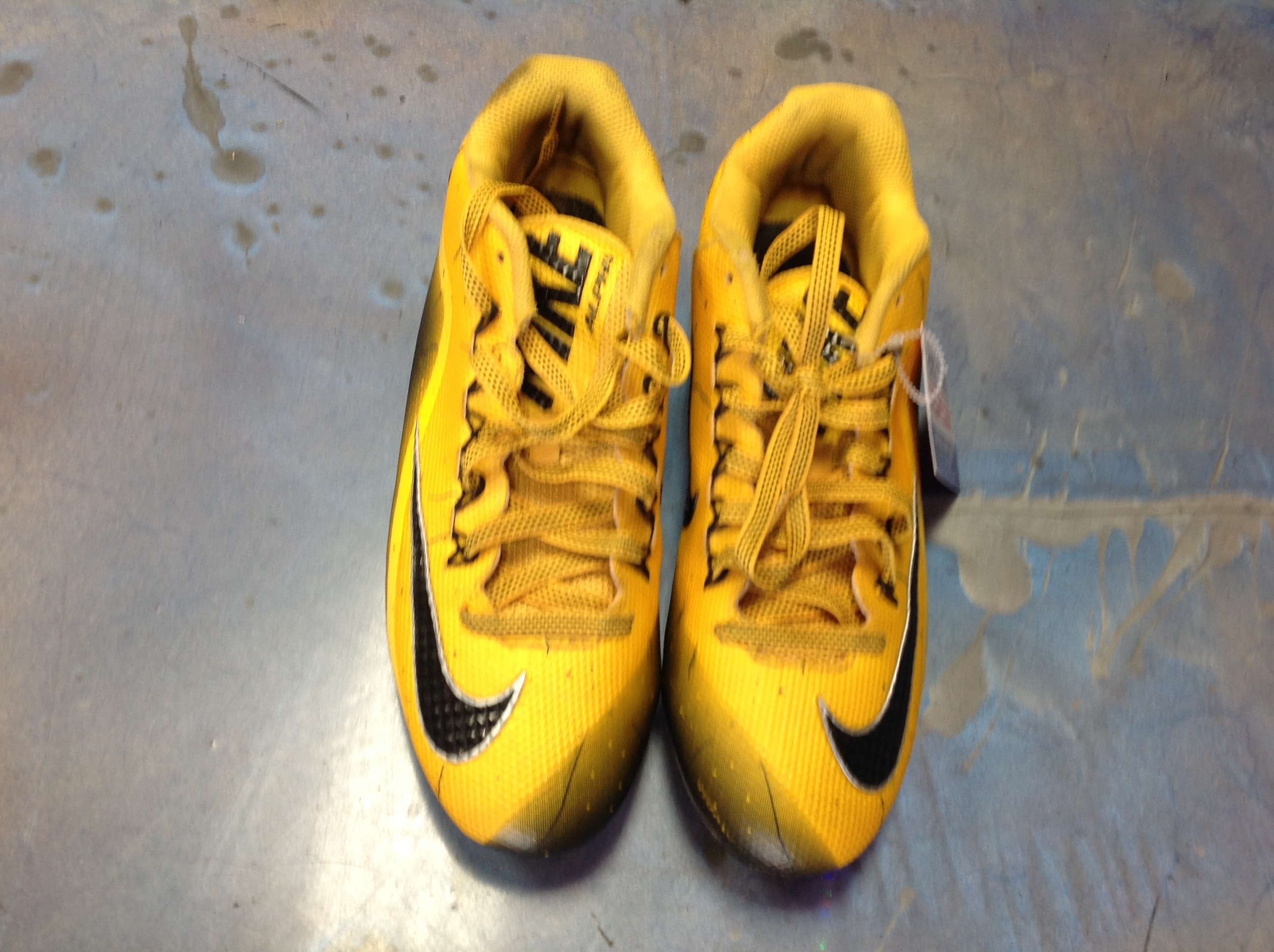 NIKE SKIN ALPHA SOCCER CLEATS MENS SIZE 8.5