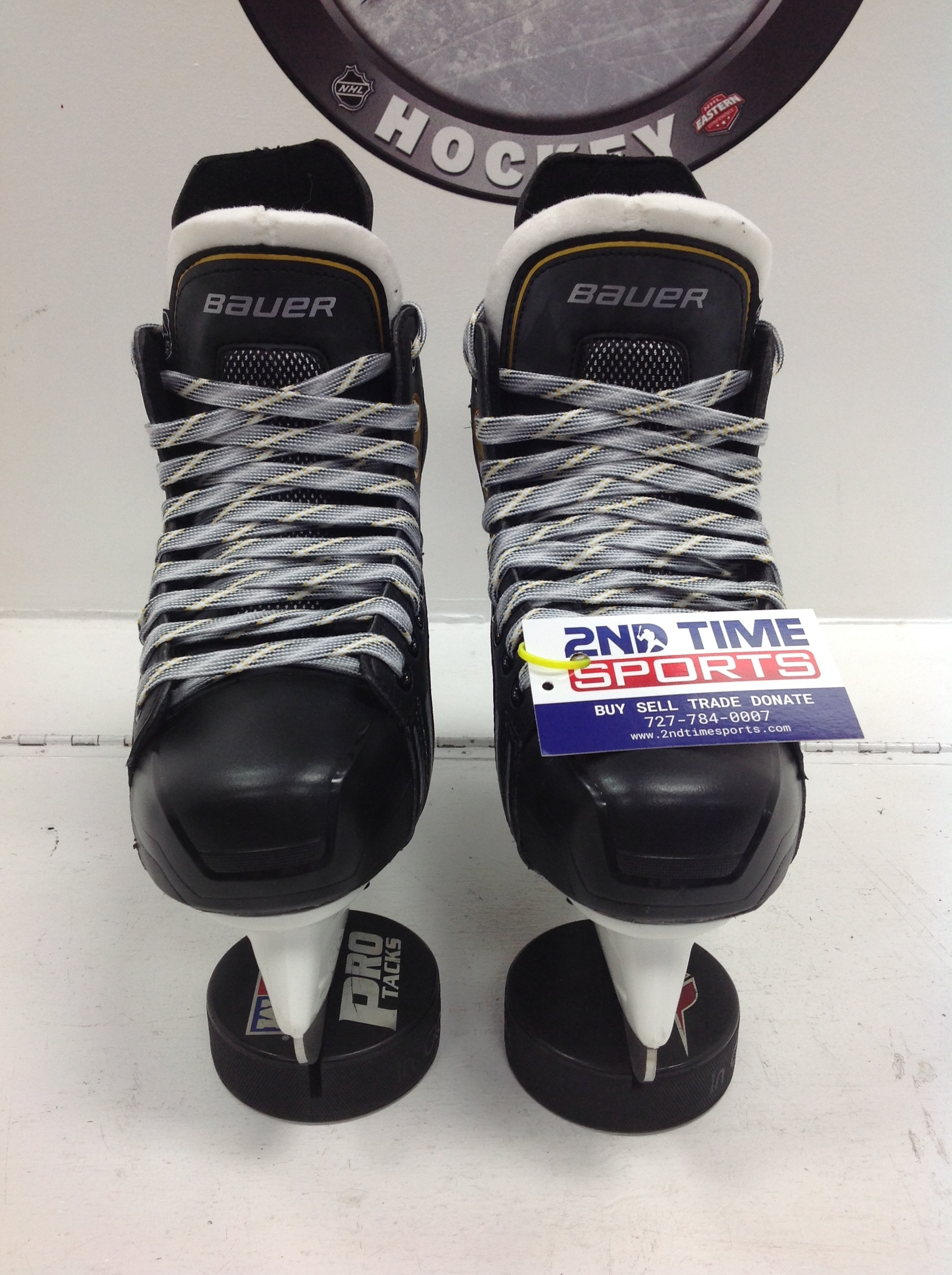 BAUER Supreme One. 5 JR HOCKEY SKATES SIZE 4