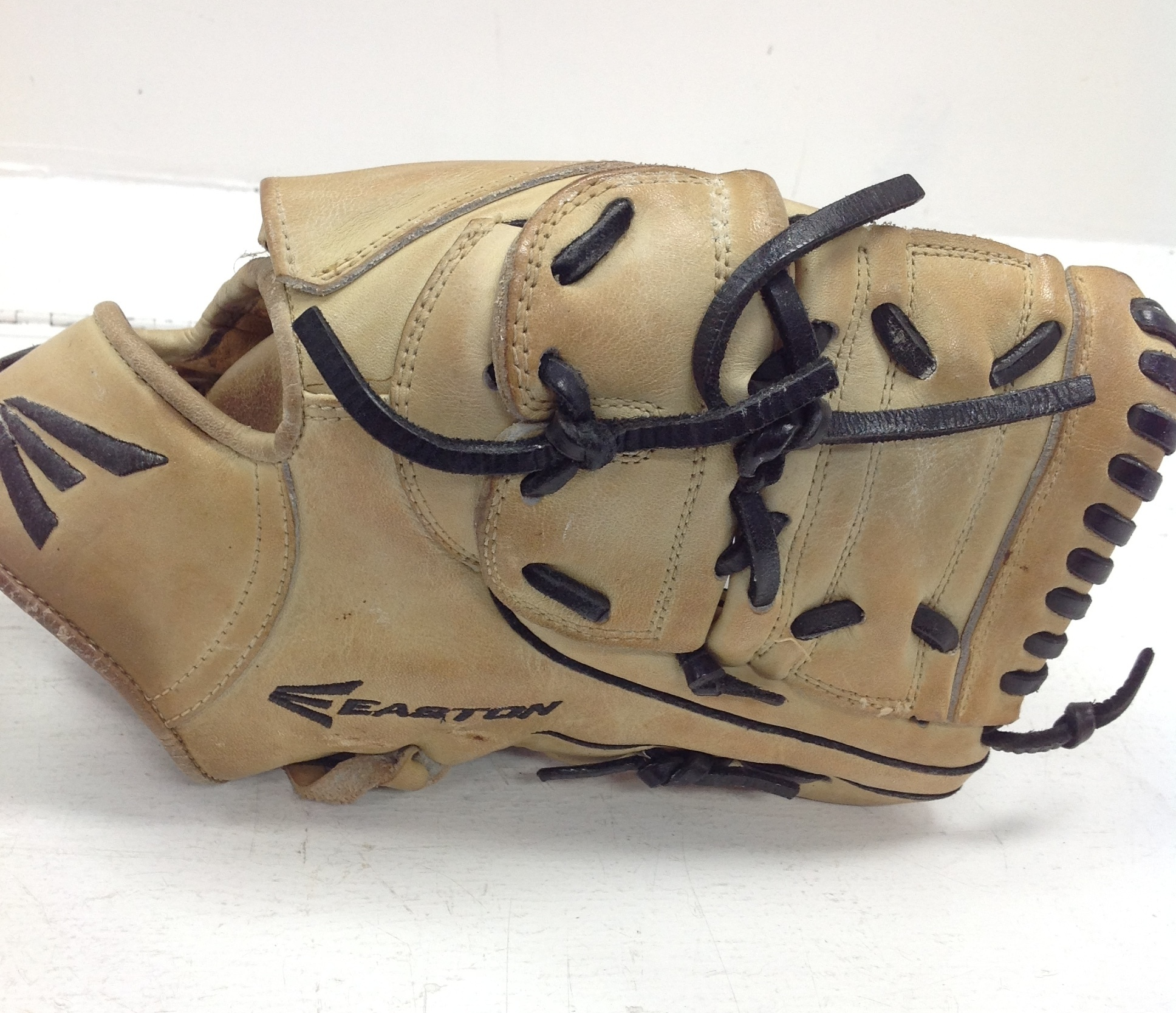 EASTON E PRO RIGHT HANDED THROWER LEATHER BASEBALL GLOVE 12