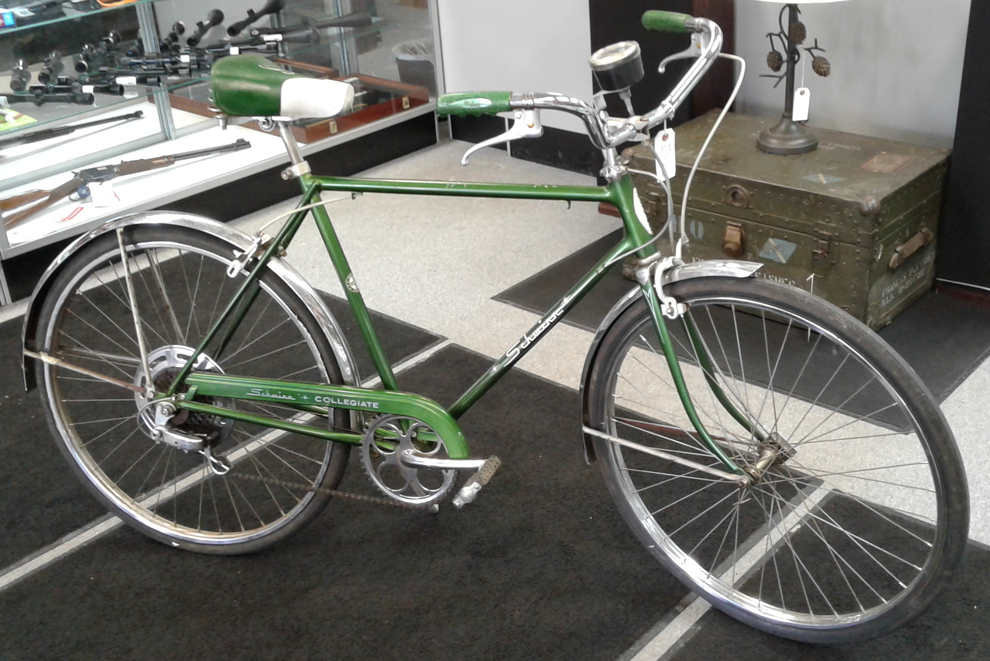 SCHWINN COLLEGIATE BICYCLE