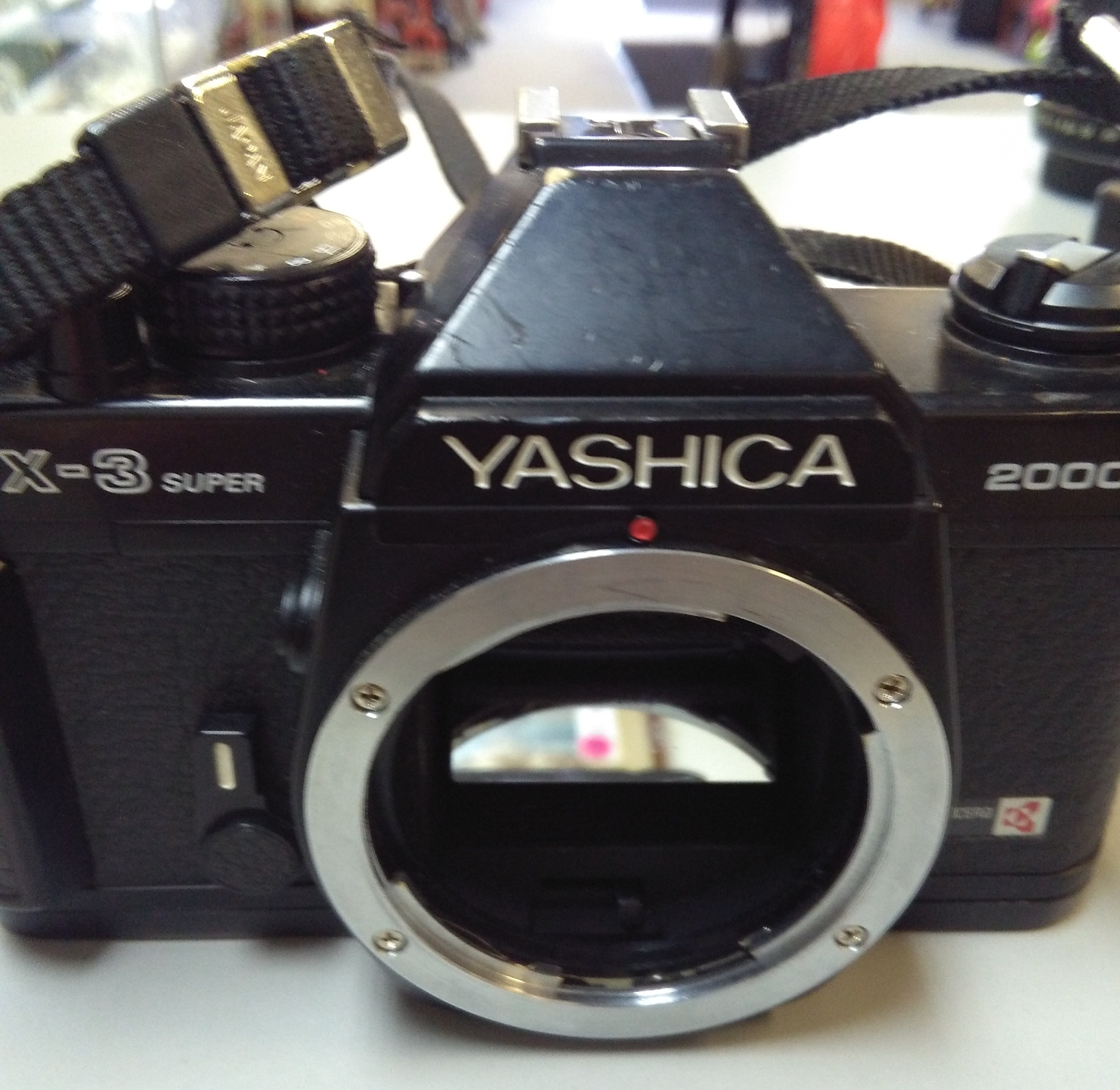 YASHICA FX-3 SUPER 2000 CAMERA BODY