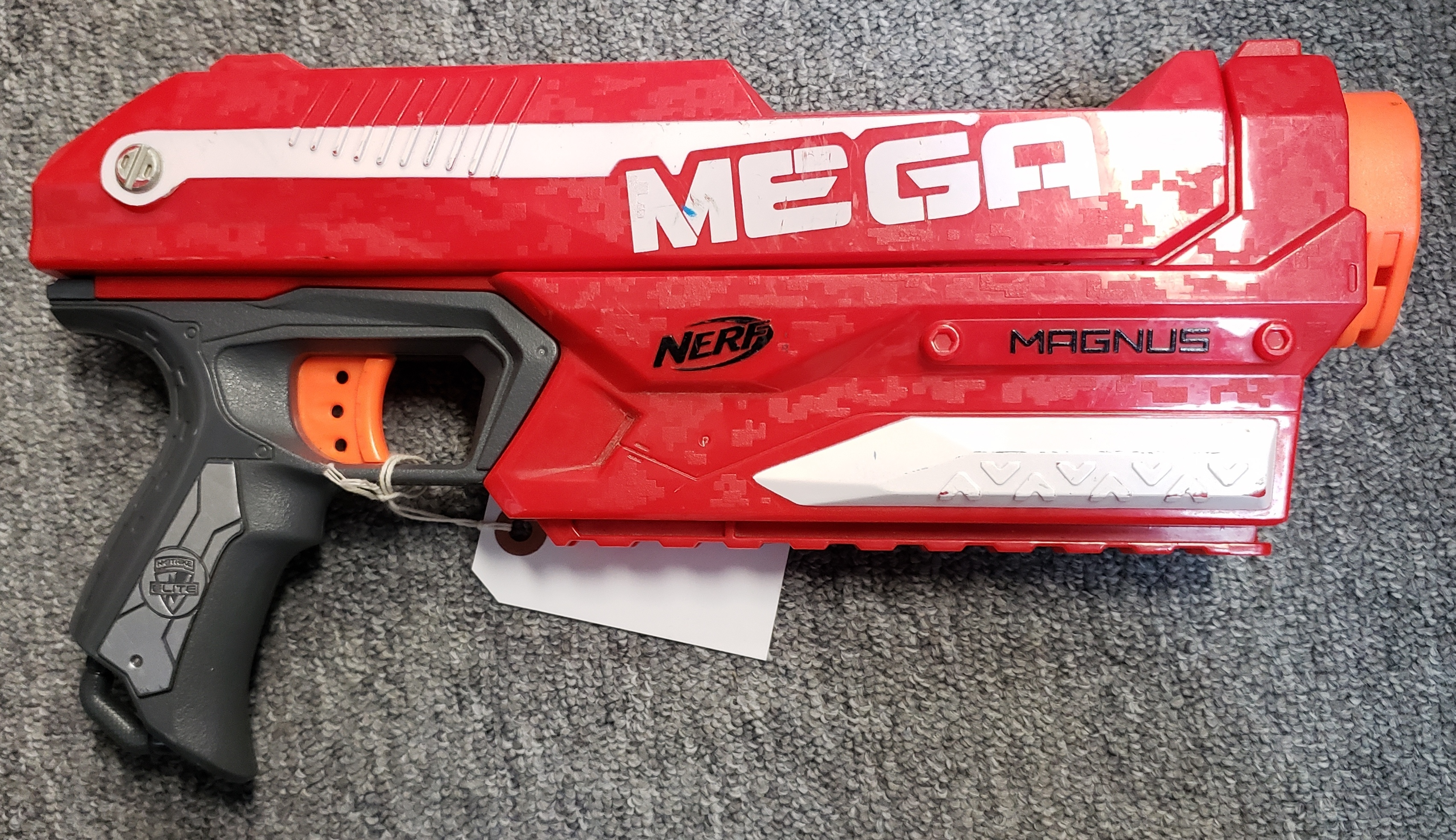 NERF MEGA MAGNUS BLASTER (NO DARTS INCLUDED)