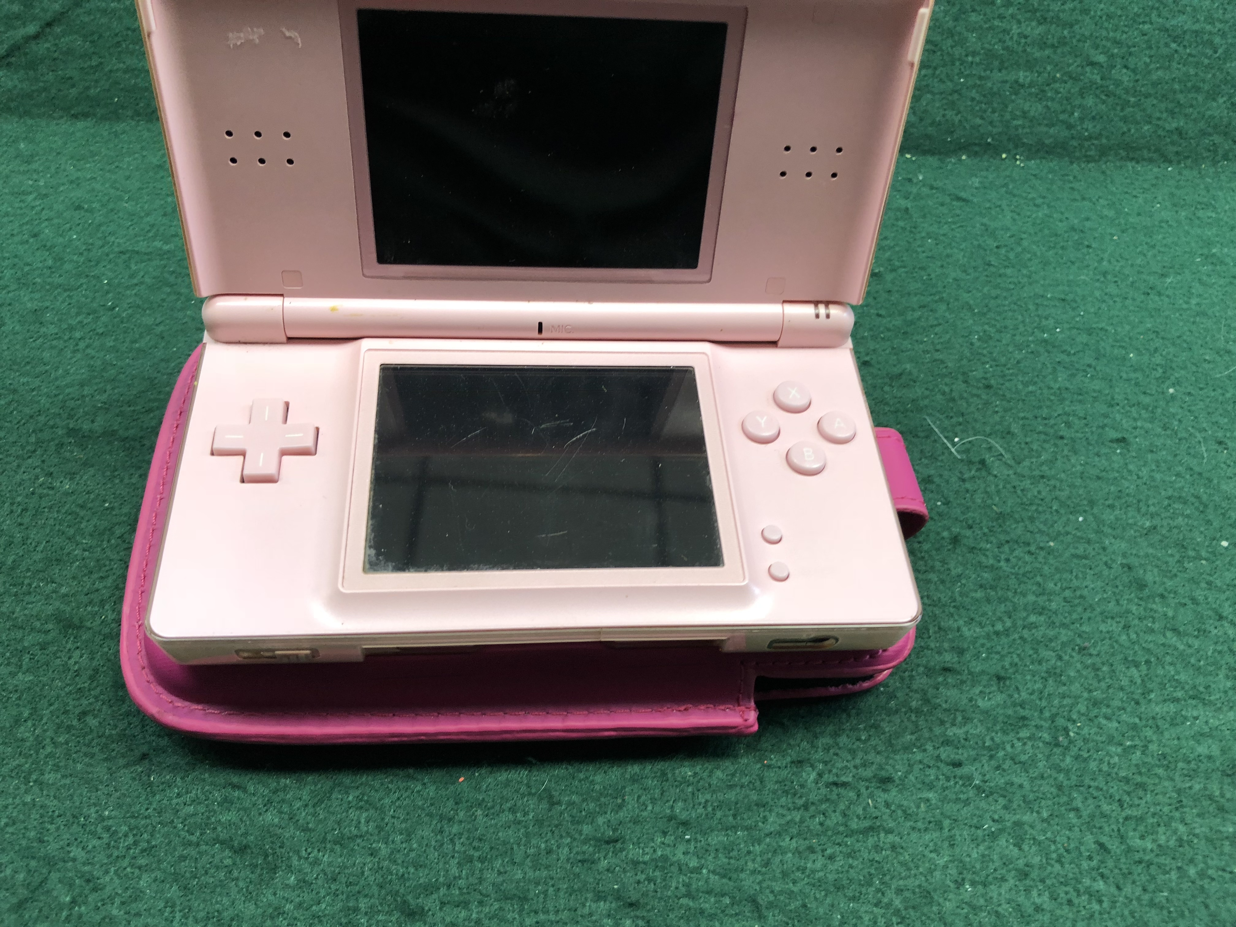 NINTENDO - DS LITE PINK WITH CASE