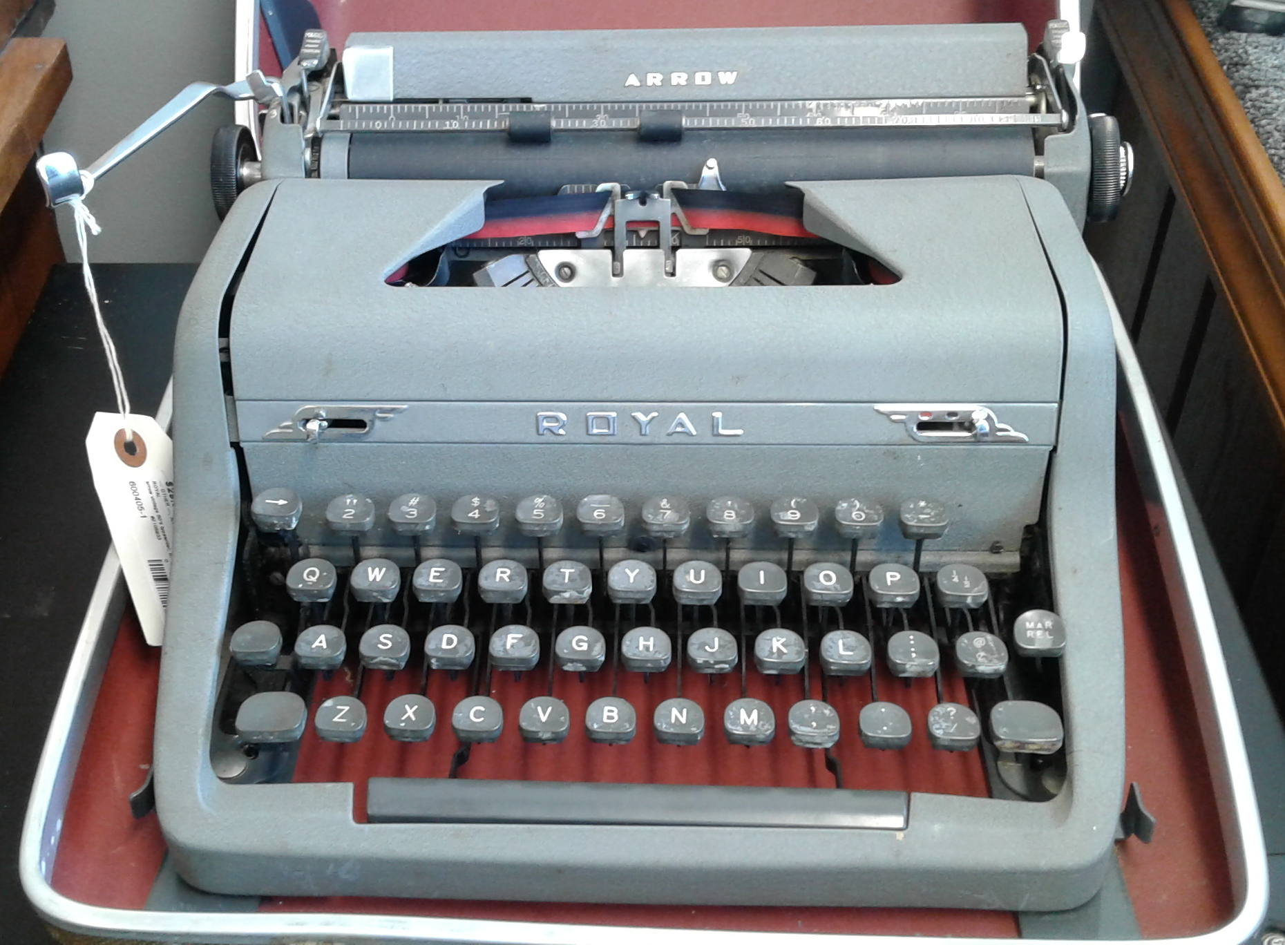 Vintage 50's Royal Typewriter