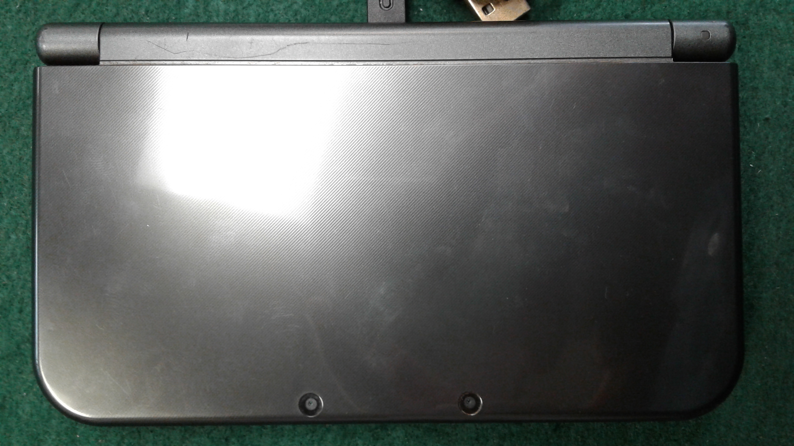 NINTENDO 3DS XL WITH CHARGE CABLE