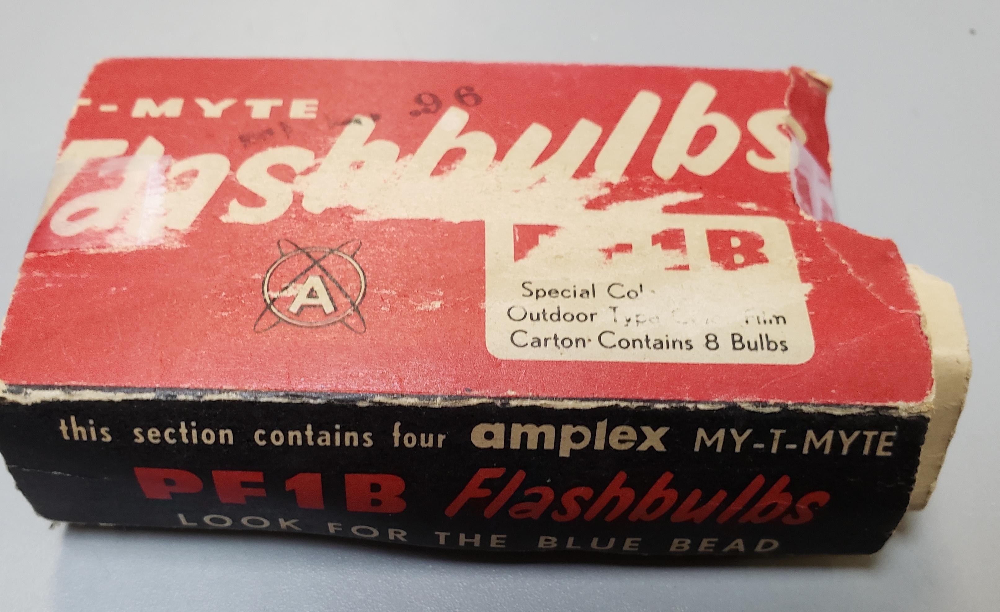 3 AMPEX FLASH BULBS IN ORIGINAL VINTAGE BOX