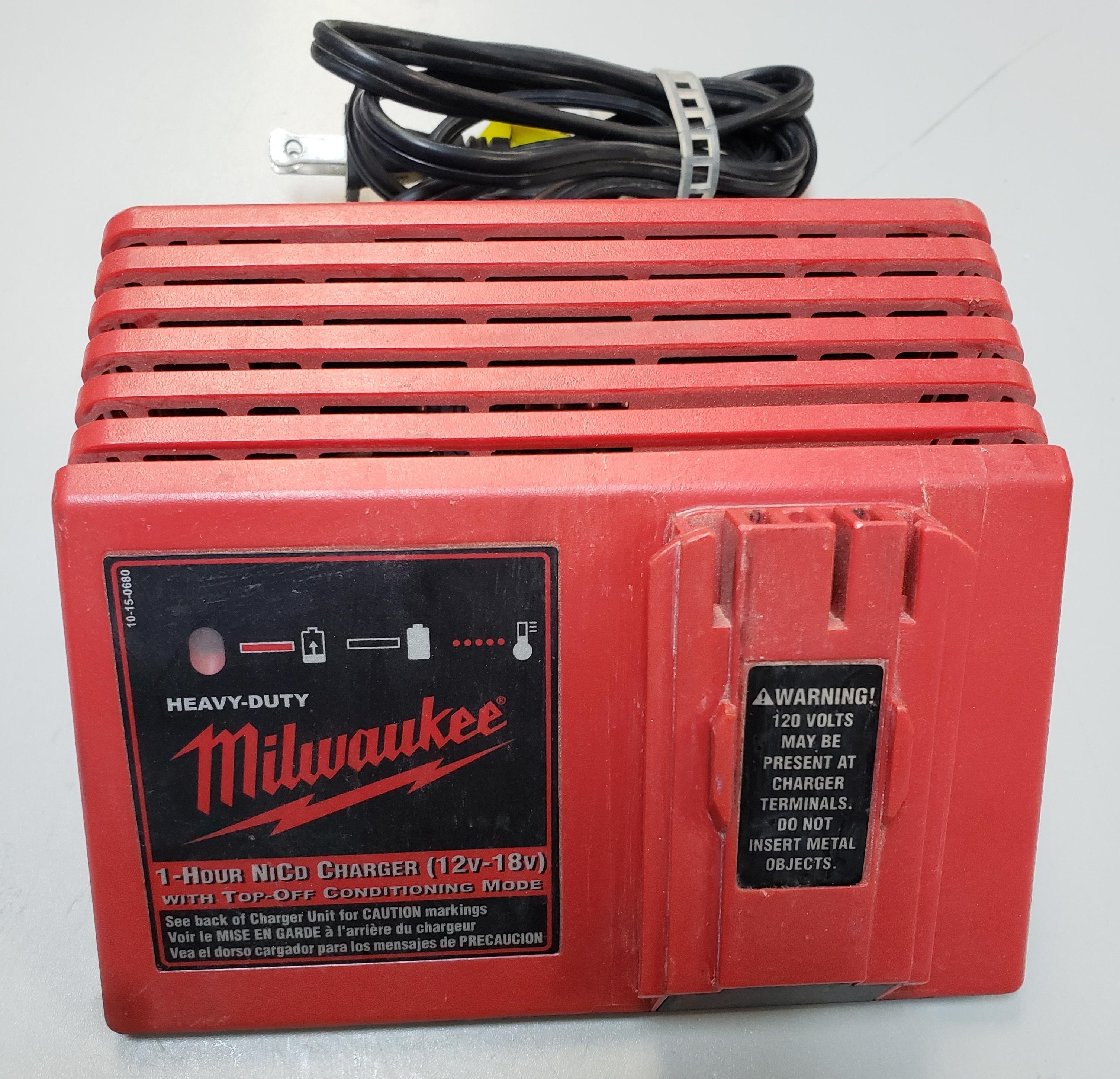 MILWAUKEE - 48-59-0255 - 1-HOUR NICD BATTERY CHARGER (12V-18V)